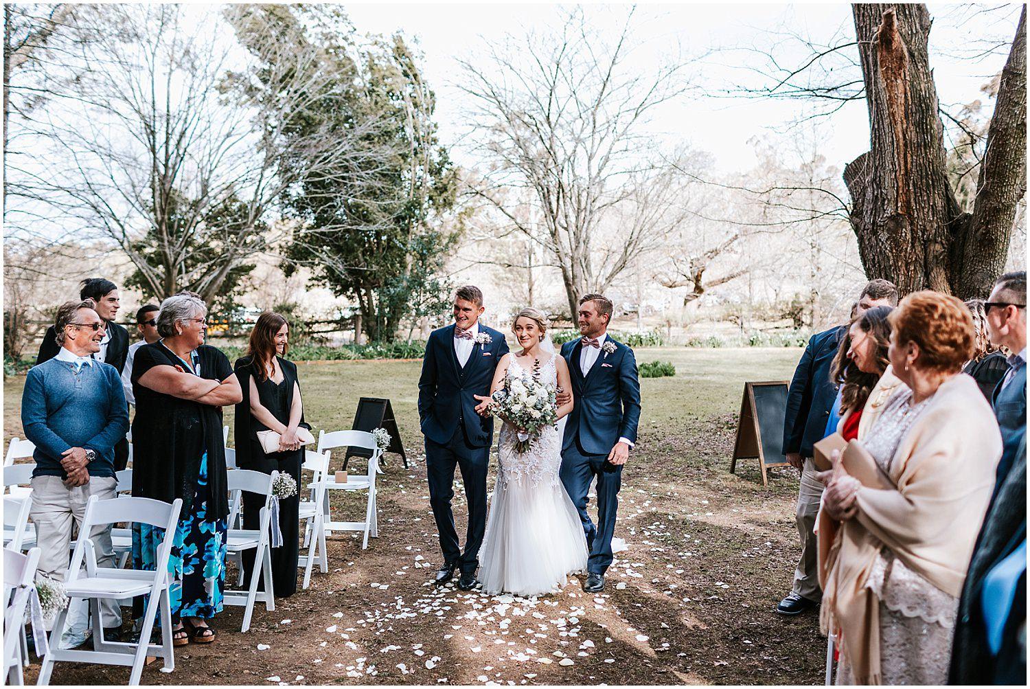 dominique-guy-montrose-berry-farm-wedding-_0025.jpg