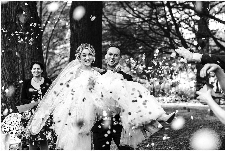 dominique-guy-montrose-berry-farm-wedding-_0035.jpg