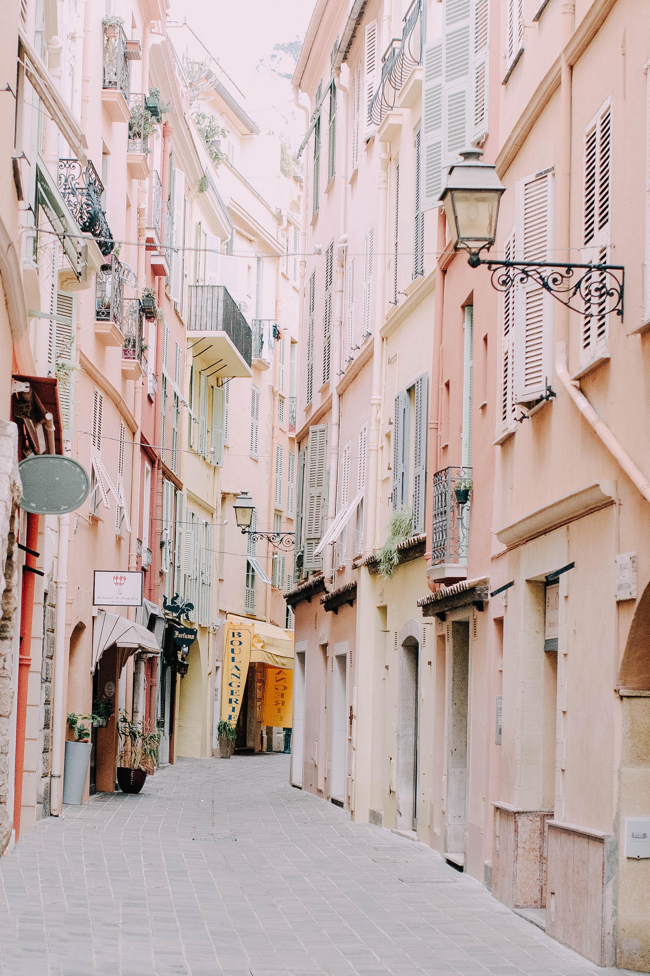 La Rue Rose