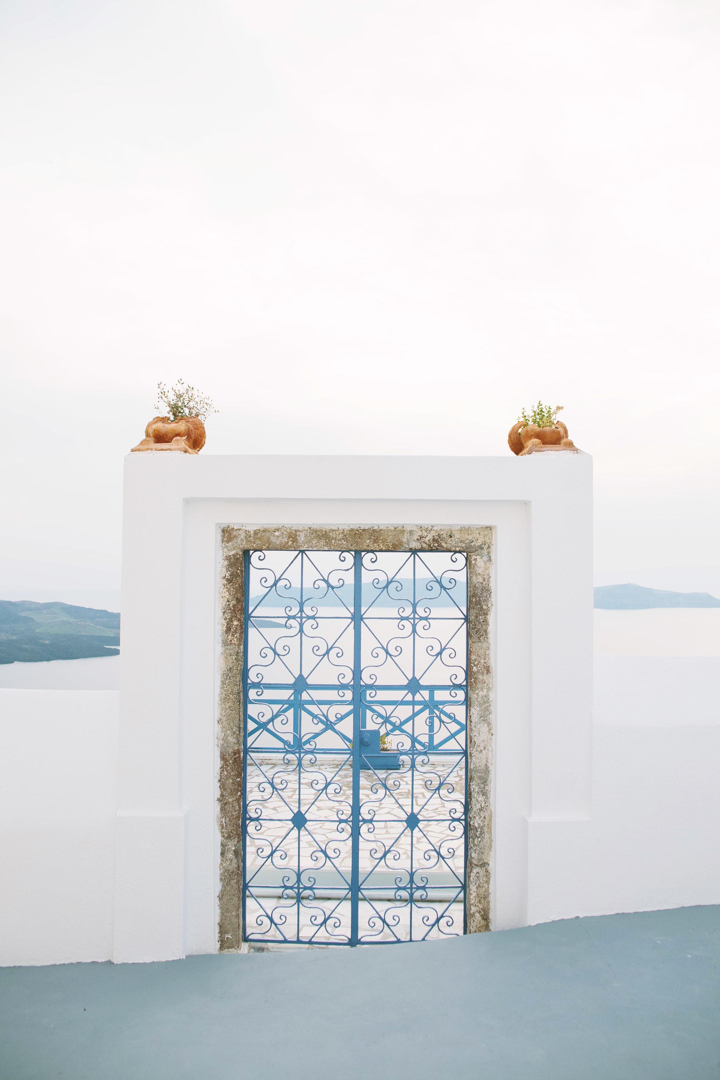 Anteliz Door