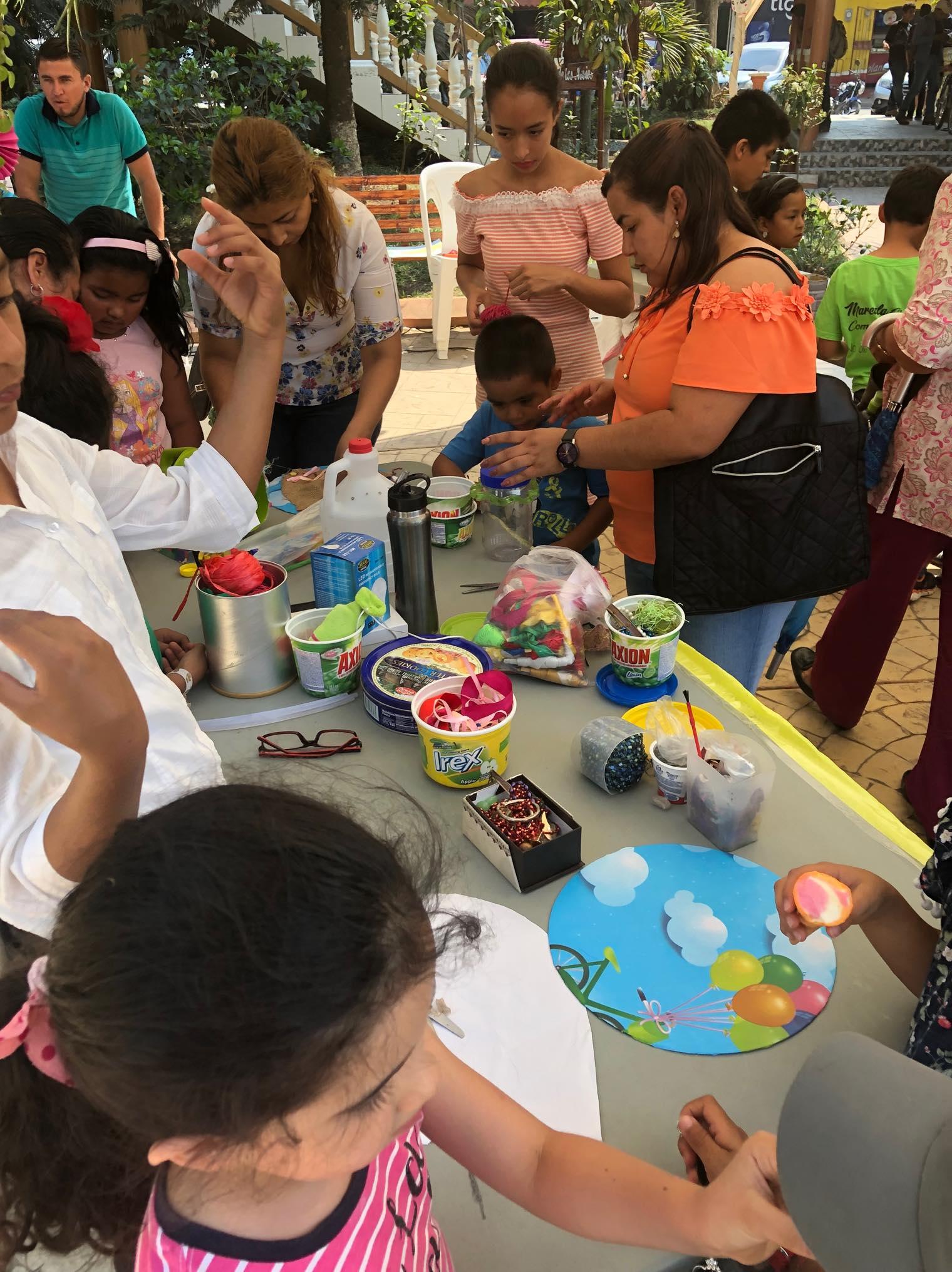 ReThink Festival Marcala no 2 ReFashionReFood ComsaInternationalSchool (40).jpg