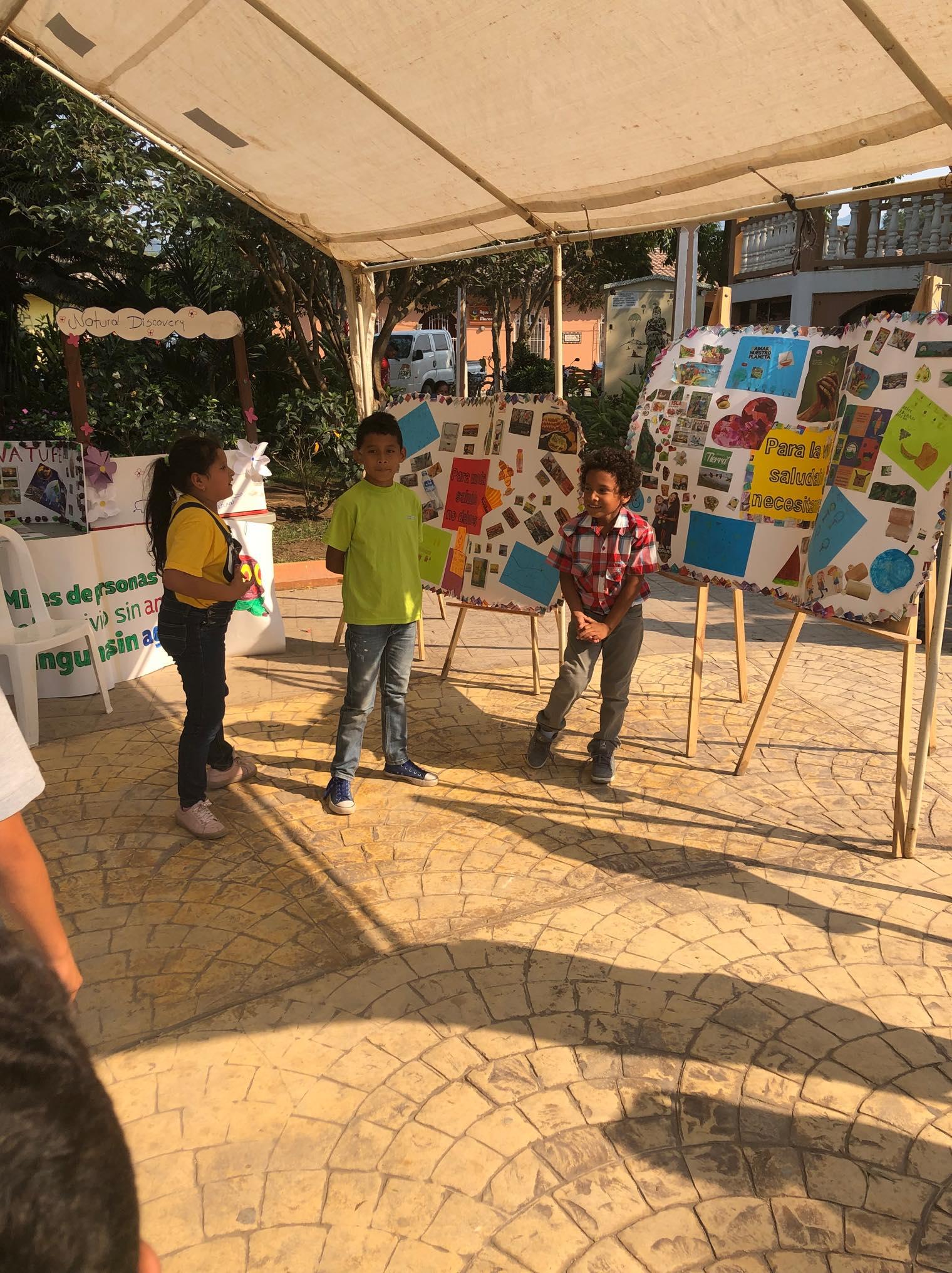 ReThink Festival Marcala no 2 ReFashionReFood ComsaInternationalSchool 116.jpg