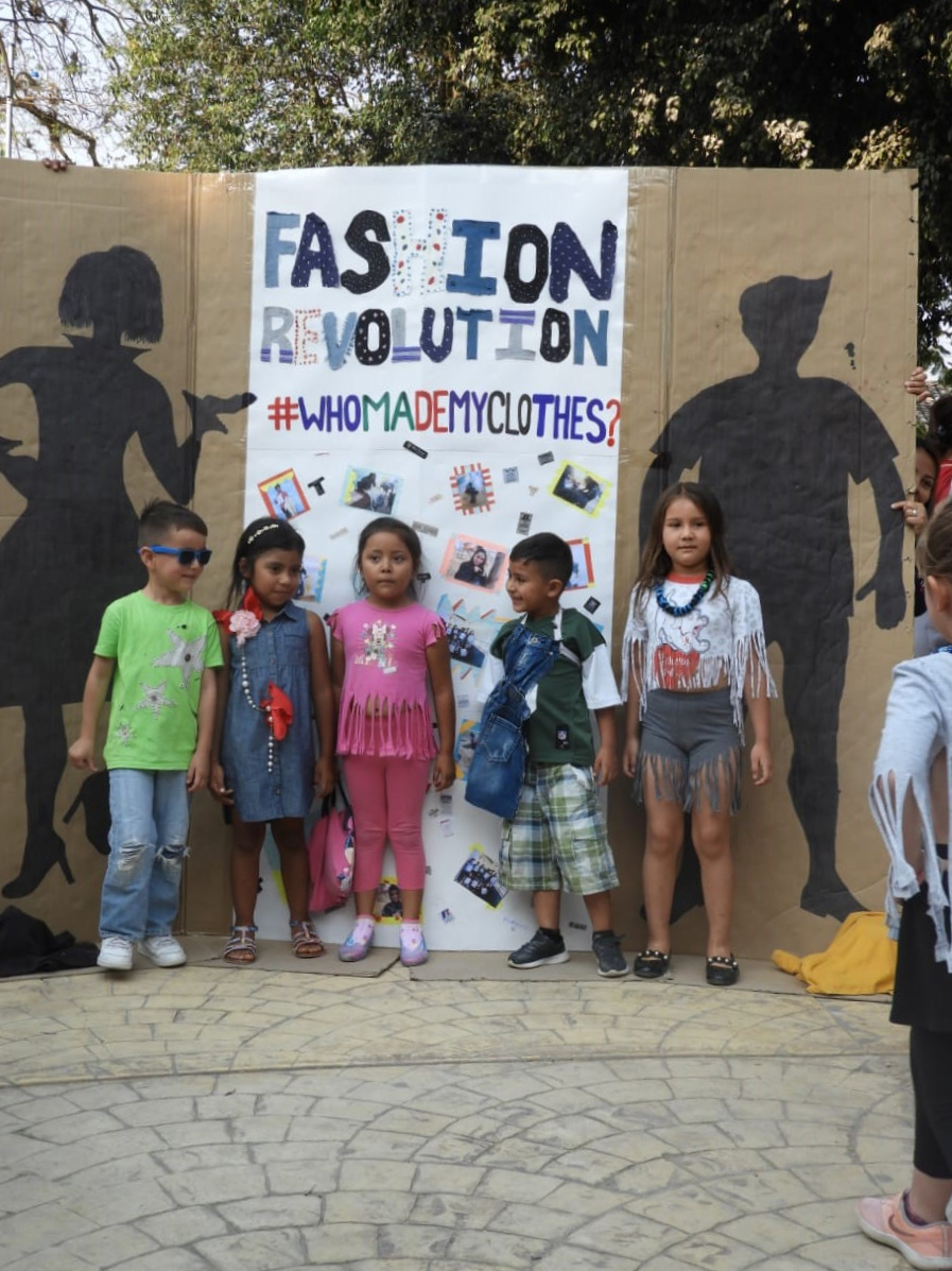 FashionRevolutionMarcalaReFashionReFoodComsaInternationalSchoolx5.jpg