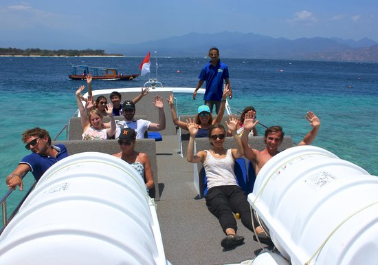 Fastboat to Gili sit on top