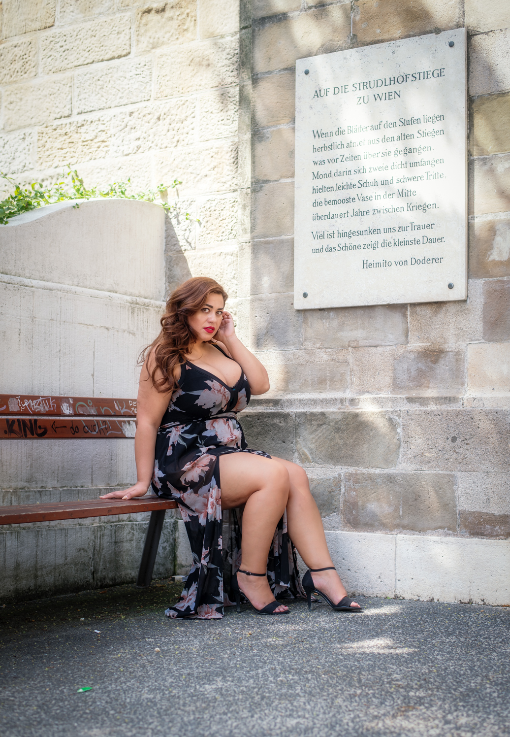 Model: Costina Munteanu  Instagram:  https://www.instagram.com/costina_got_curves/