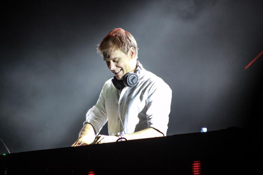 Armin van Buuren Live DJ Set 848 Width x 565 Height