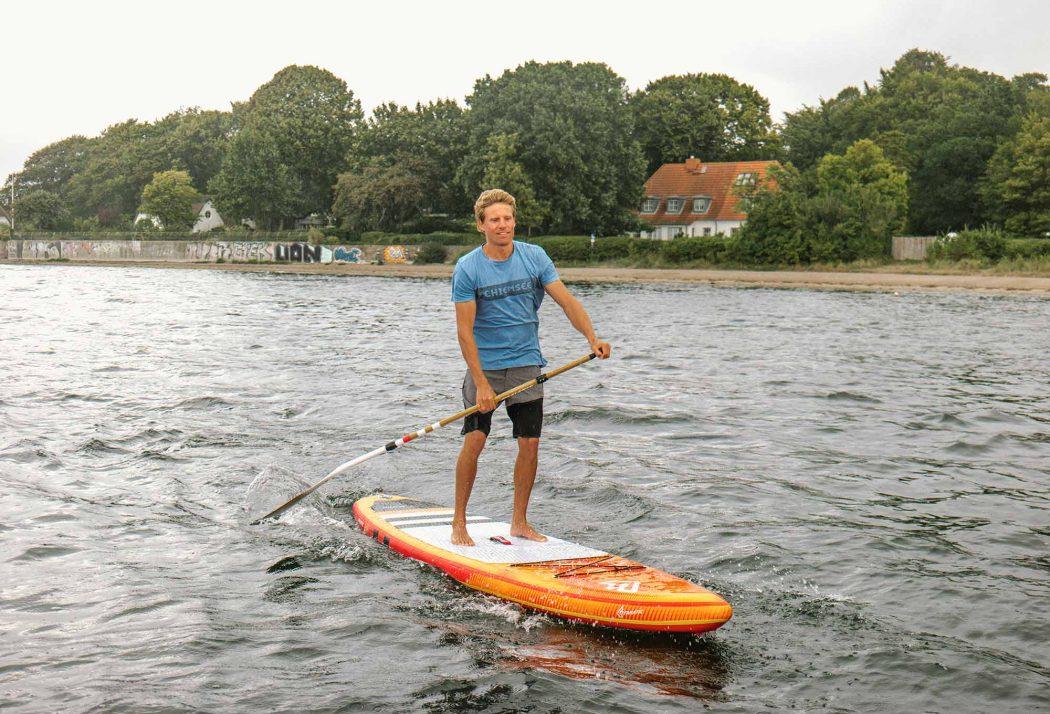 Dove Men+Care - Klaas Voget lebt den ultimativen Surftraum: Er pendelt zwischen Kiel, Chile und Haiwaii – immer auf der Suche nach dem perfekten Wind und der perfekten Welle.