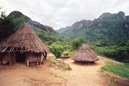 Isoke hut-homes.jpg