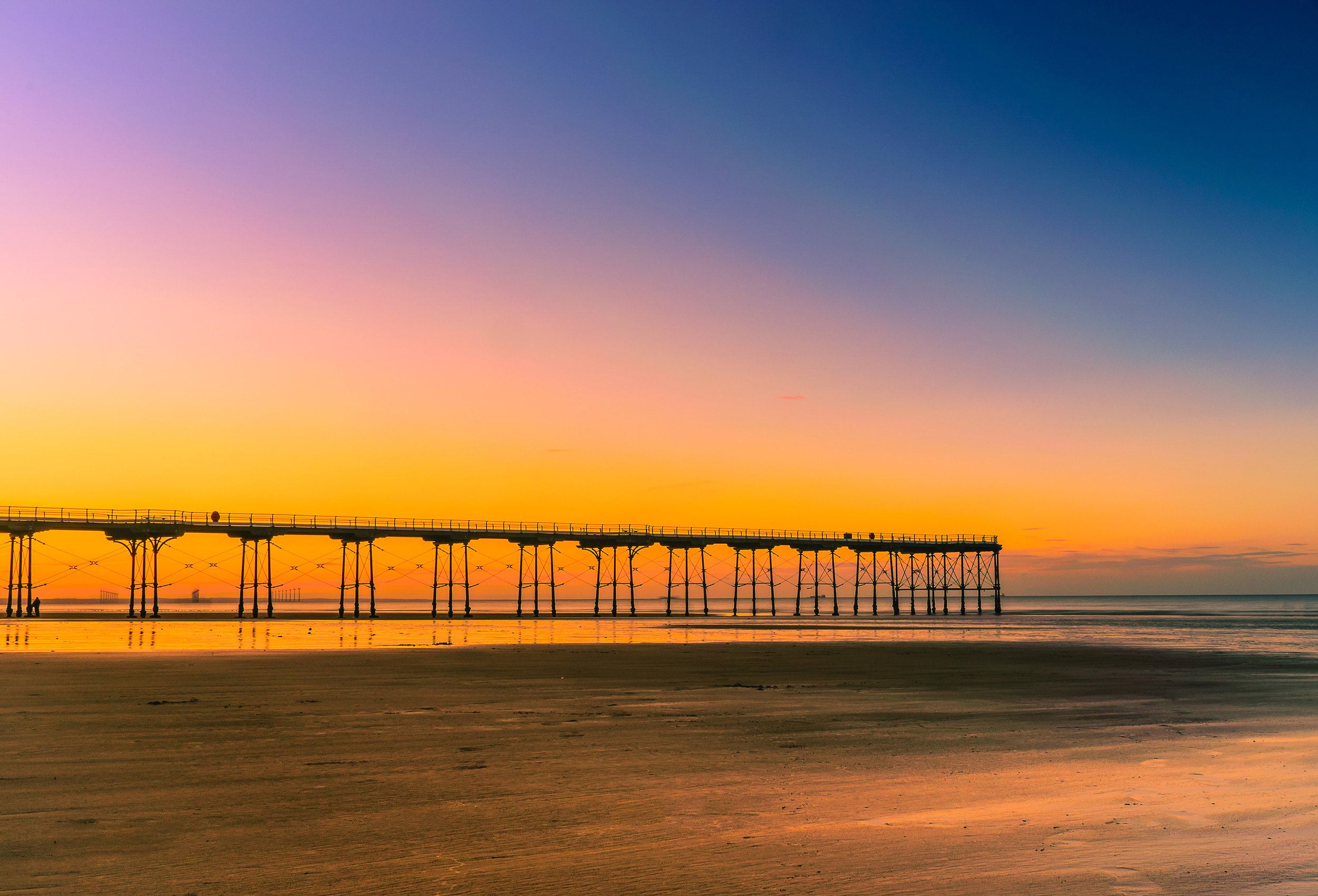 Viewers will also spy Saltburn's fine Victorian pier – one of the best in England –across the fabulous beach where a lot of the action is set. This fantastic pier can be found close to our parks Hazelgrove and Redcar Beach.