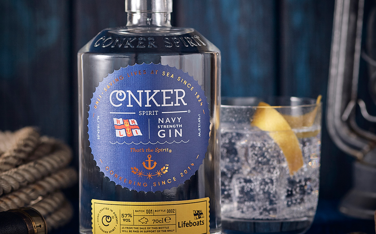Coastal Gin distiller donate to R.N.L.I