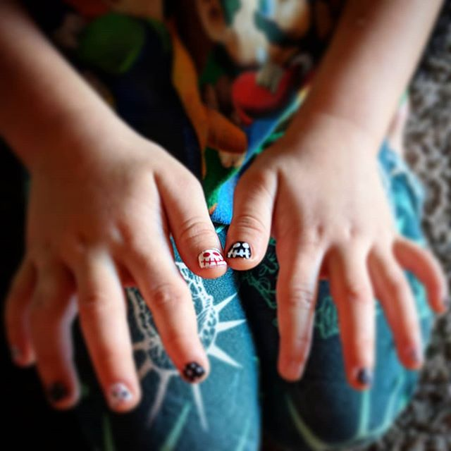 Went to a local lady to get my daughter's nails done for the first time.  Weird to go to someone's house instead of a salon.  She really wanted Jack Skellington.  And yes it's only been 2 hours and she has already scratched off one. 🙄🤷🏽♀️ . . . . . . . #azblogger #azmom #jackskellington #nails #girlygirl #supportsmallbusiness #inhomesession #halloweennails #girlmom #nightmarebeforechristmas #loveher #momlifeisthebestlife #azlife #stv #stvbussiness #queencreek #aliciasnails #momblogger #azliving #halloween🎃