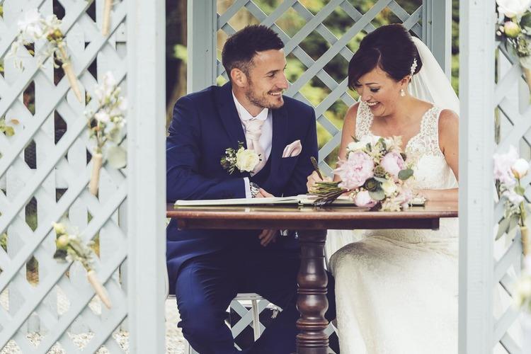 Wedding+Photographer+Cornwall+Scorrier+House-42.jpg
