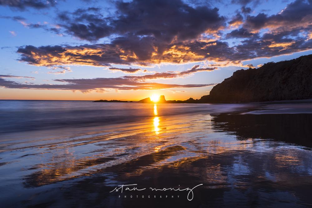 CRESCENT-BAY-LAGUNA-BEACH-SUMMER-SUNSET-STAN-MONIZ-PHOTOGRAPHY.jpg