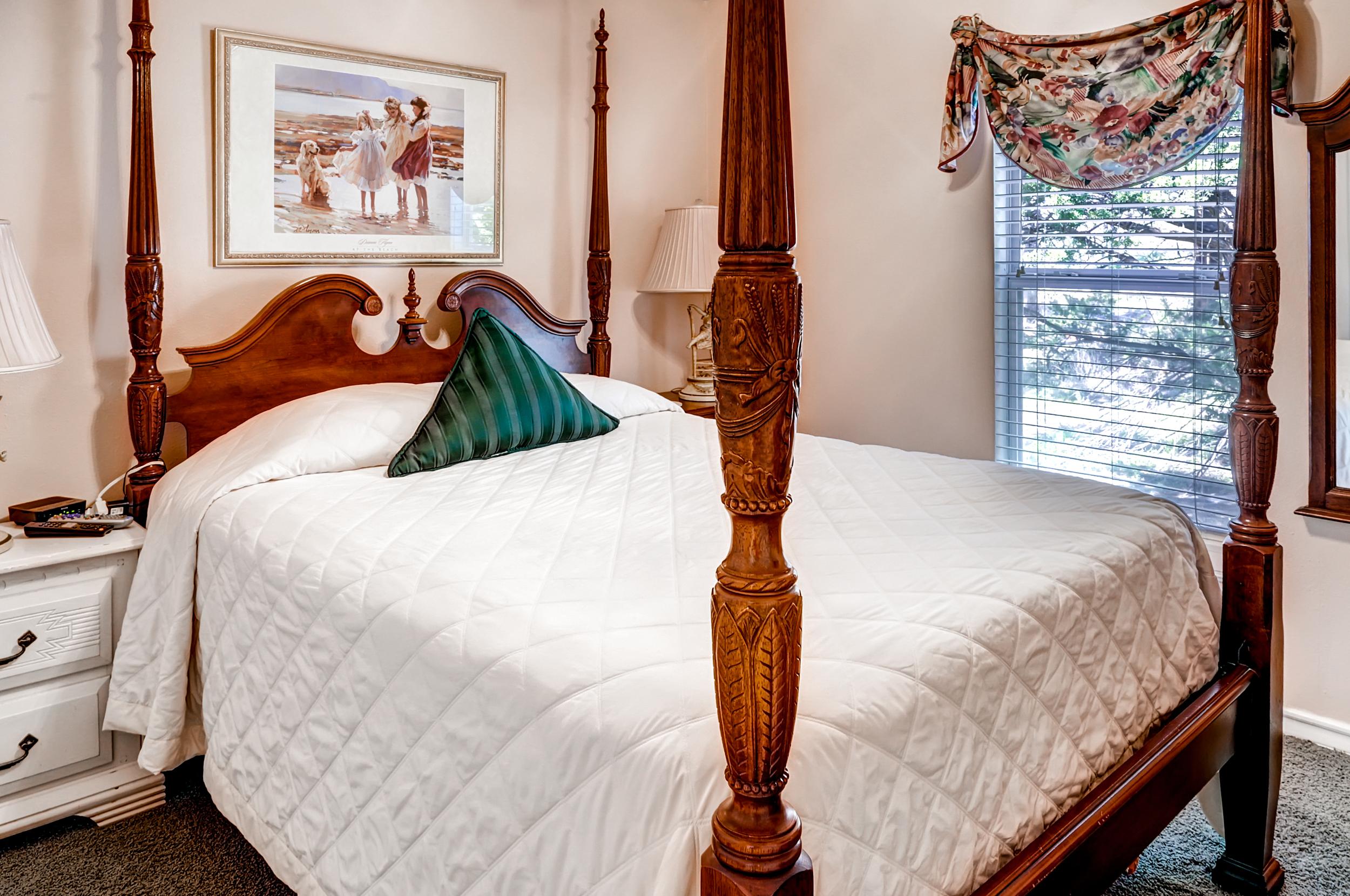 QuintilianiTamra - Bedroom (house 2).jpg