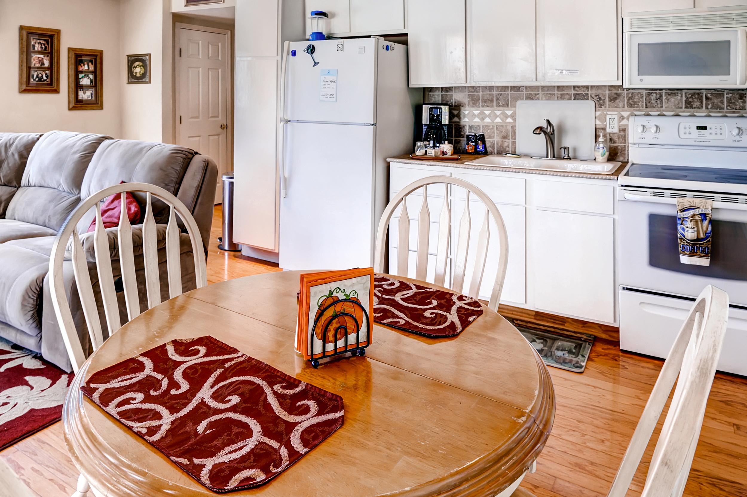 QuintilianiTamra - Kitchen (house 2) 2 - Copy.jpg