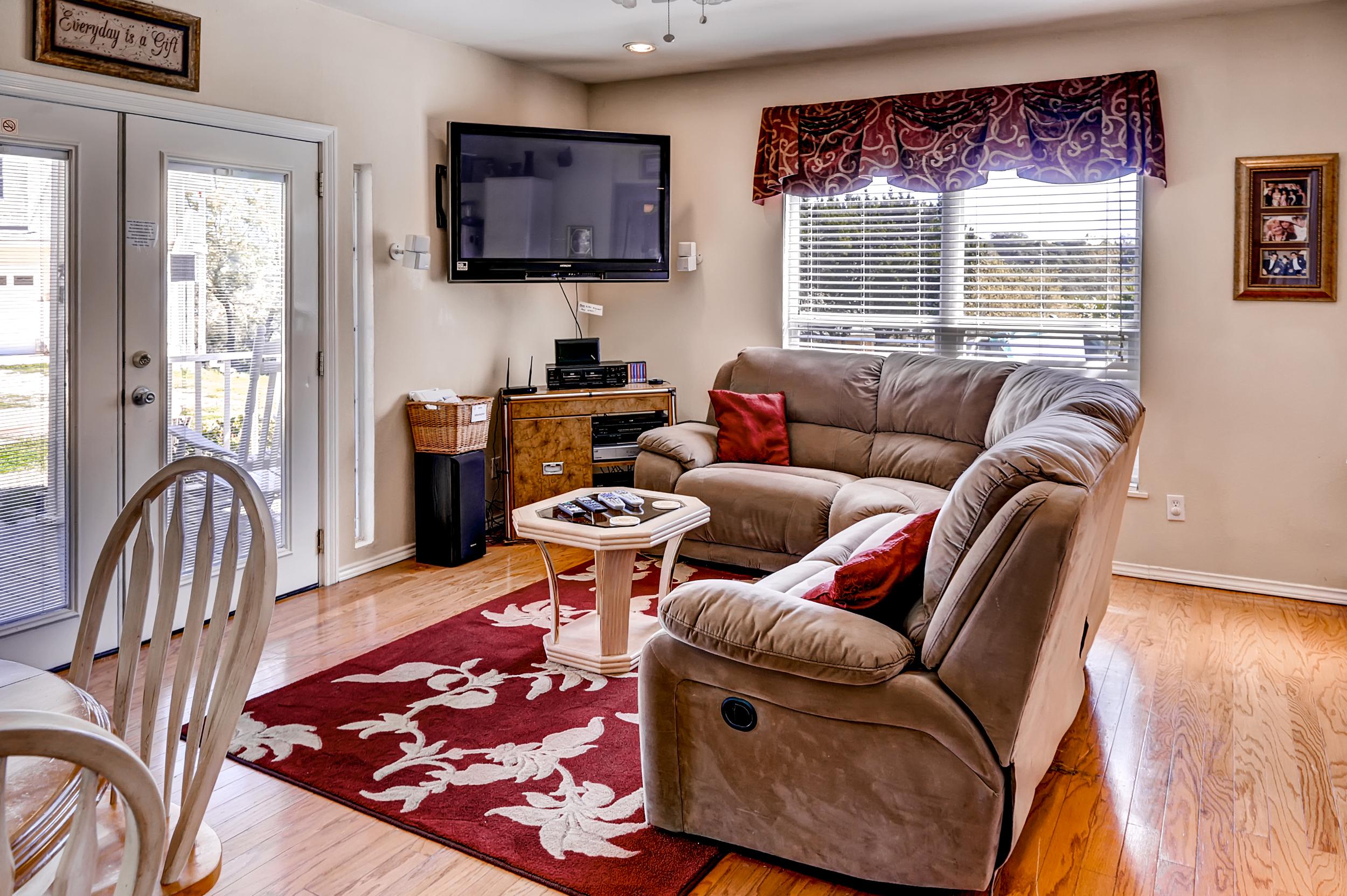 QuintilianiTamra - Living Room (house 2) 2.jpg