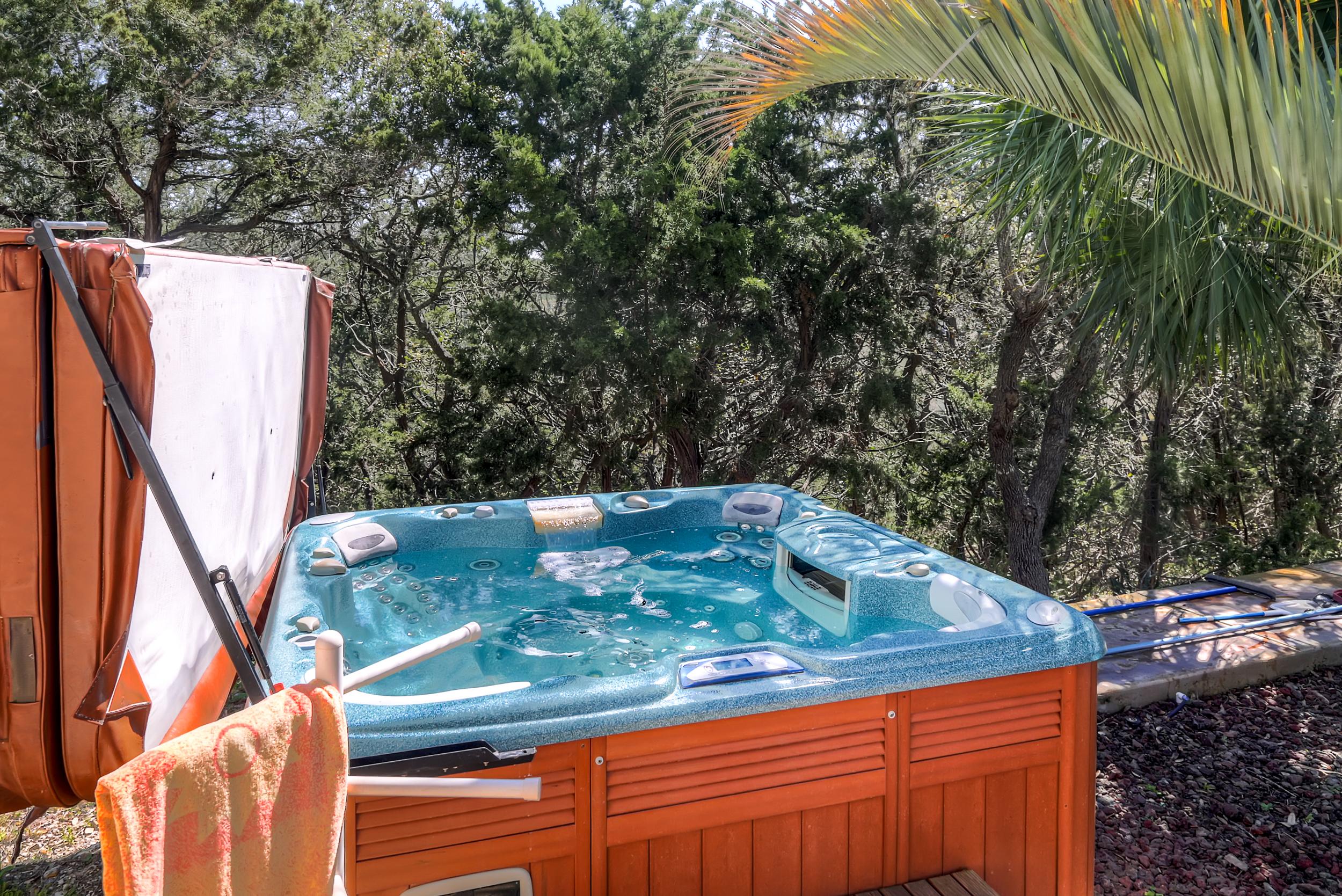 QuintilianiTamra - Hot Tub 3 - Copy.jpg