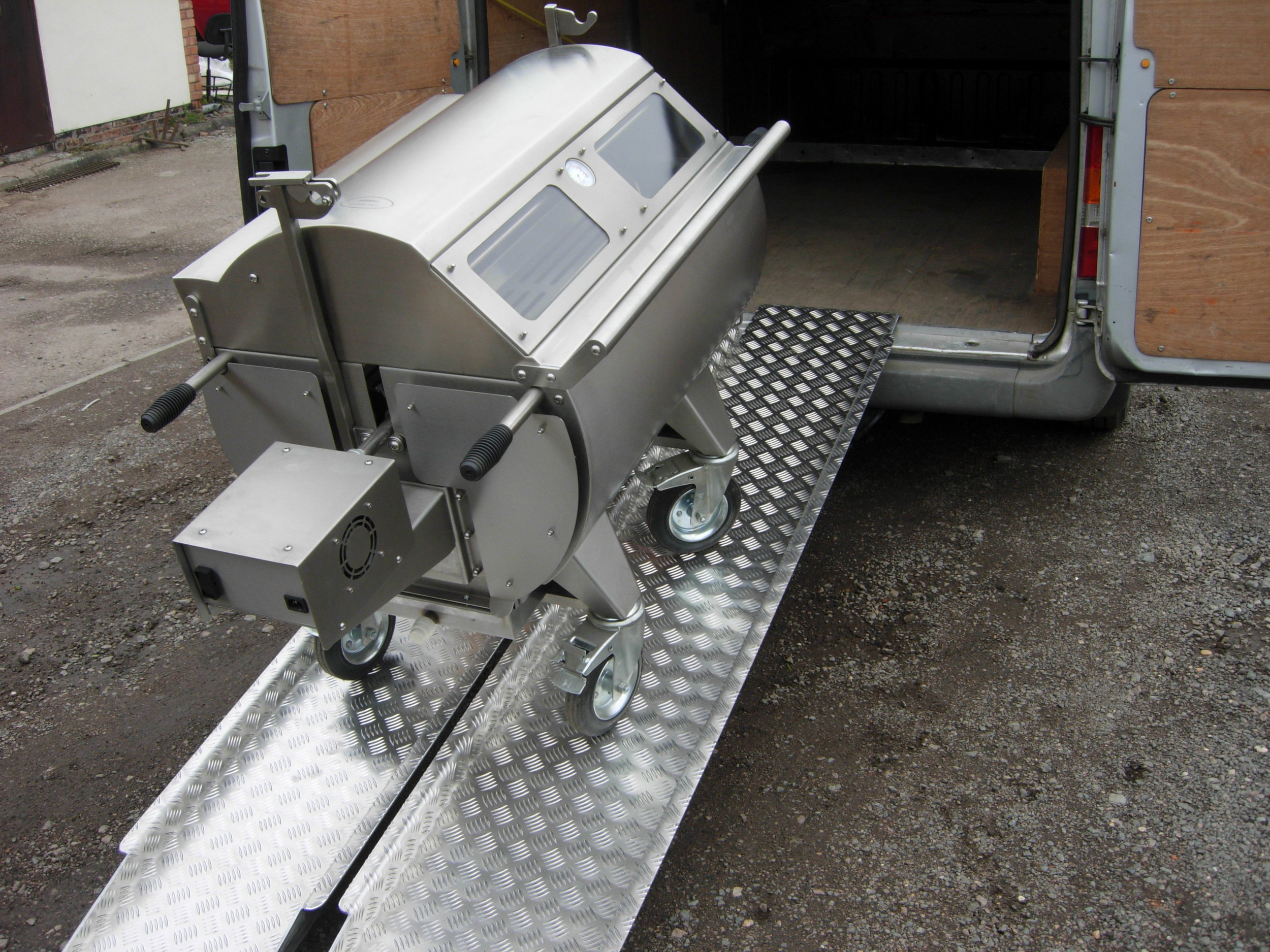 Loading with ease with our Heavy duty Aluminium Ramps