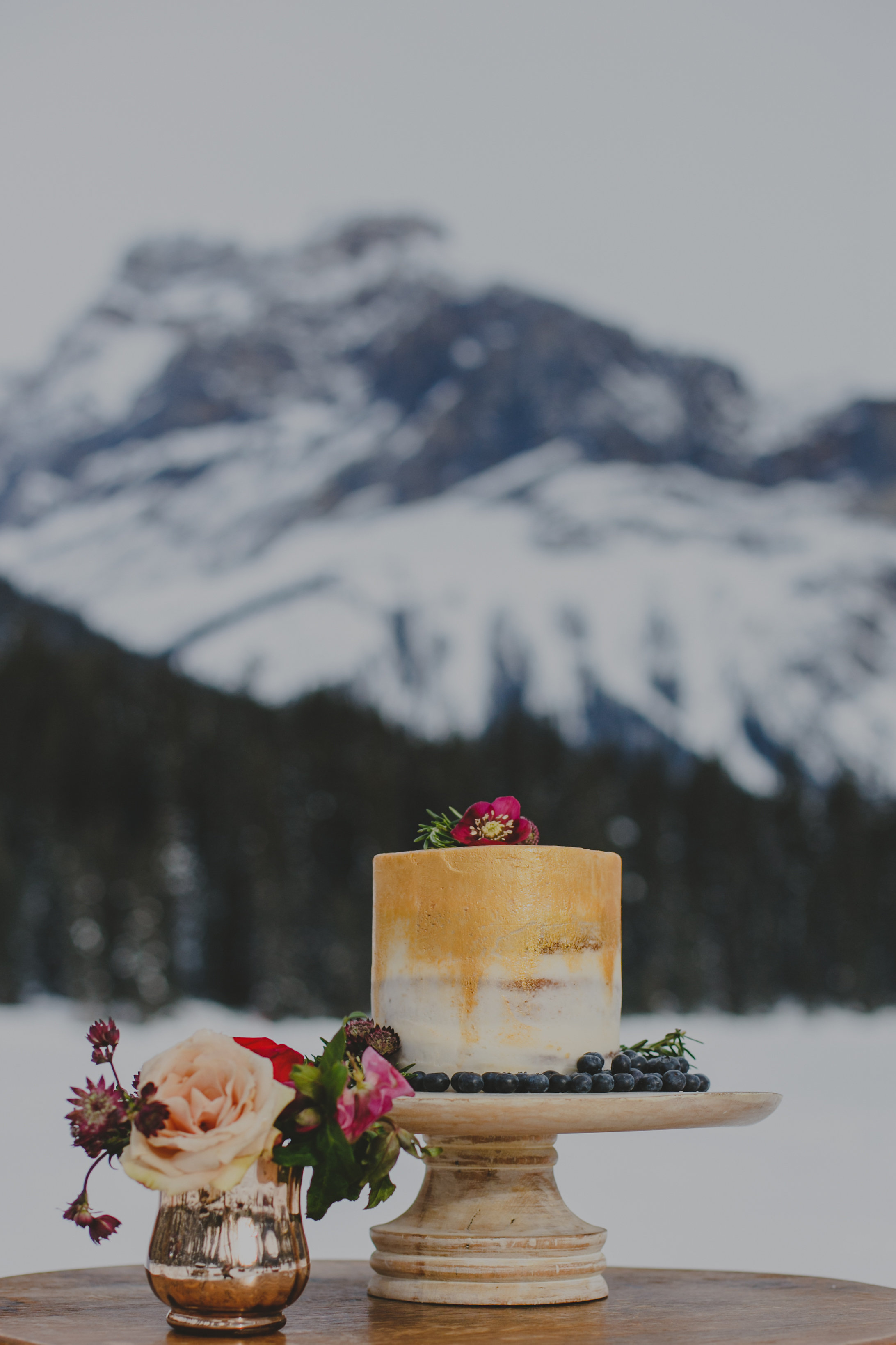 A-EmeraldLake-RockyMountainWedding-Lolo&Noa-1.jpg