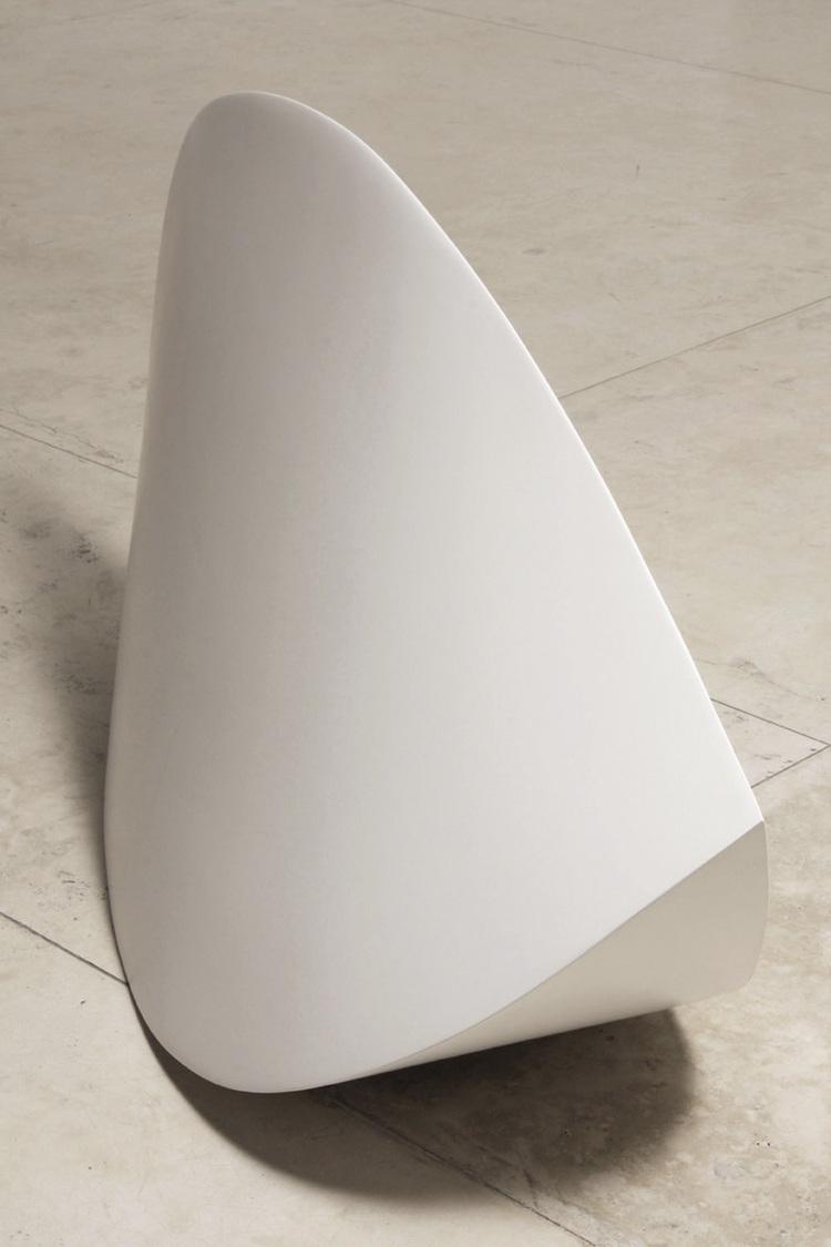 2Serpentina, 2007. Fiberglass, resin and polyurethane 38.5 x 79 x 24.5%22.jpg