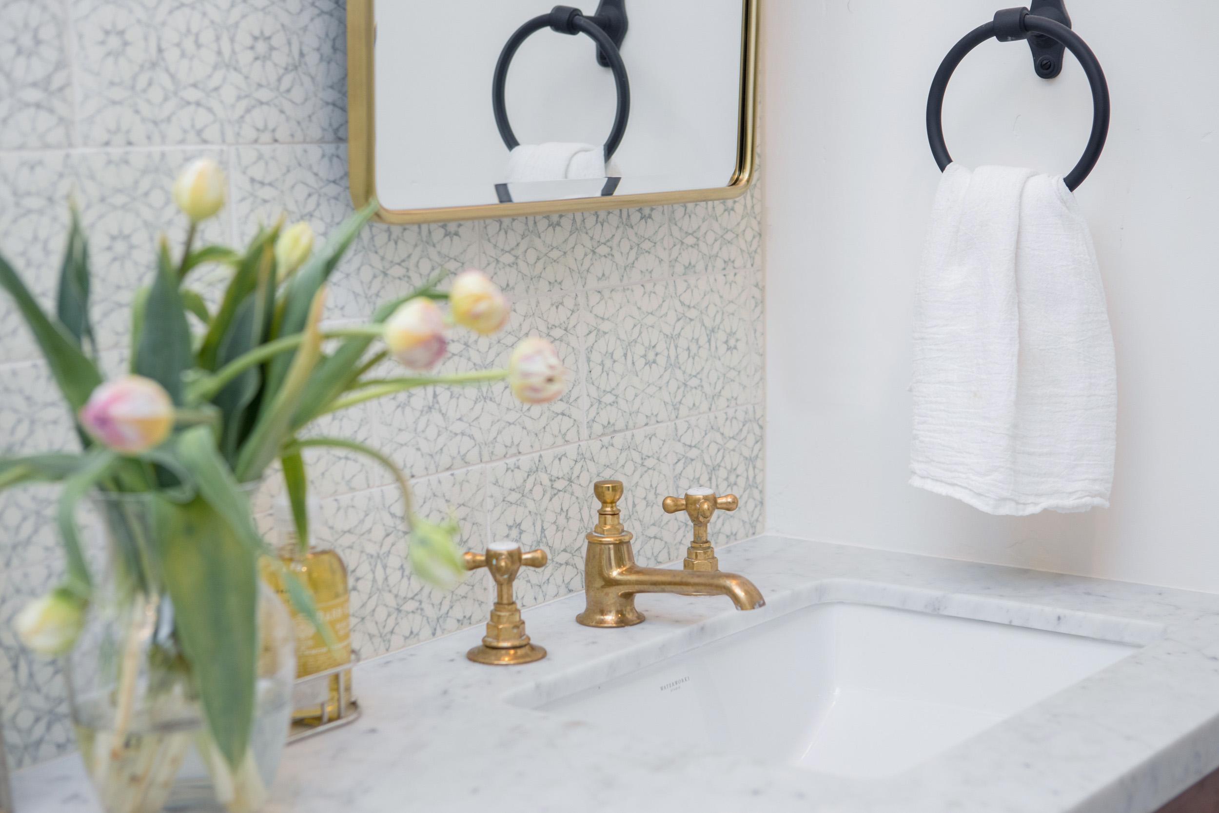 Bathroom 6833.jpg