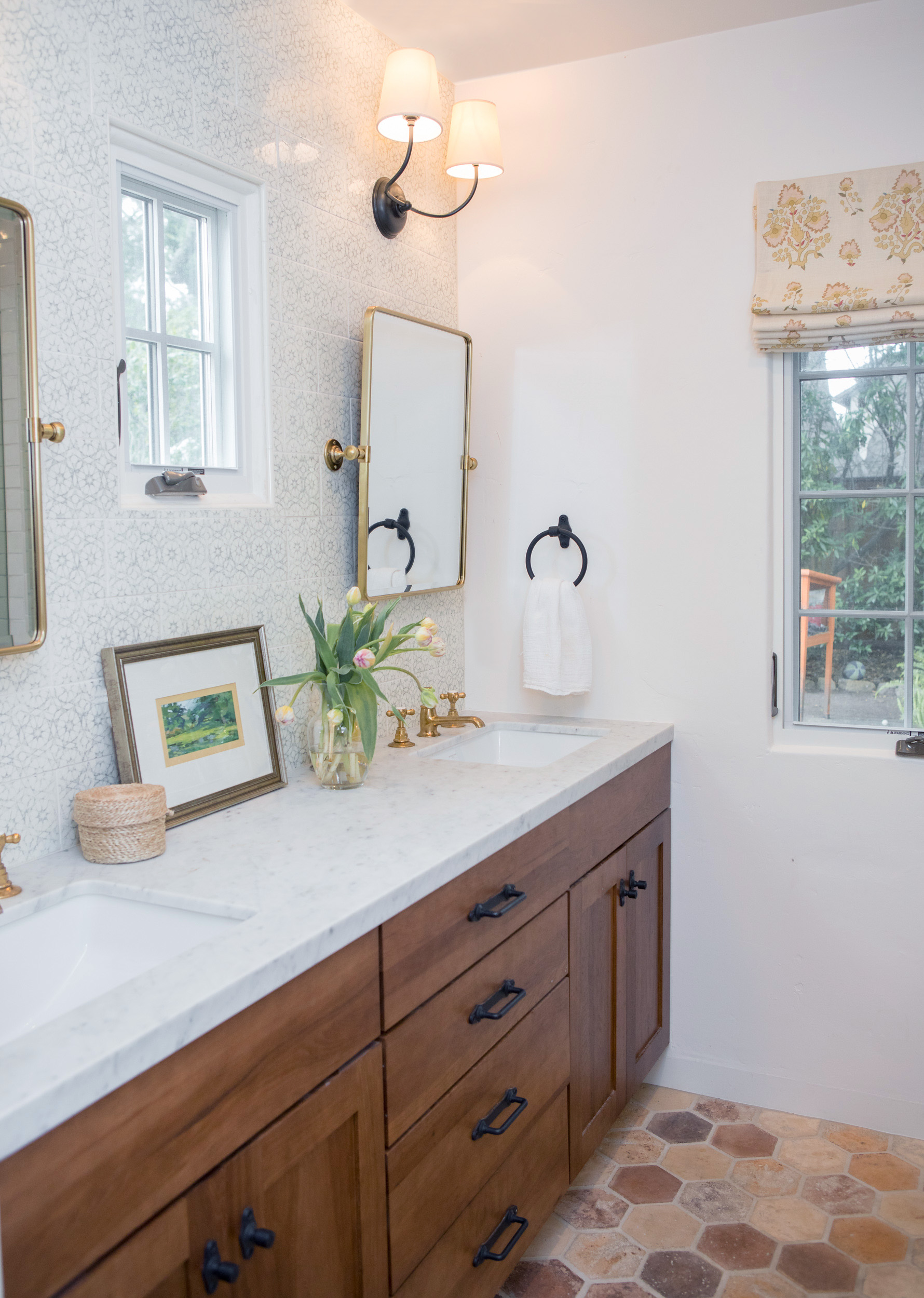 bathroom 6856.jpg
