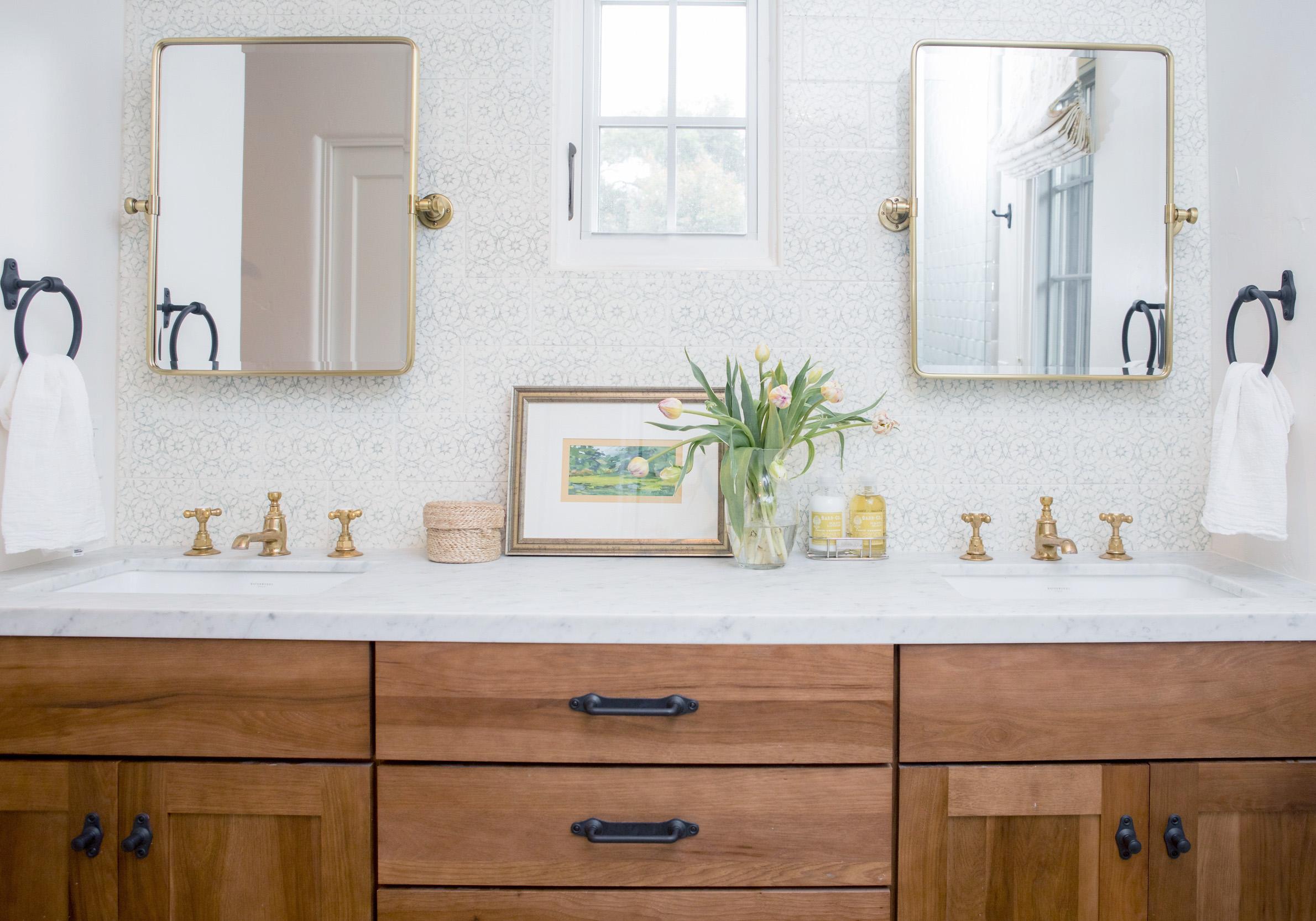 bathroom 6803.jpg