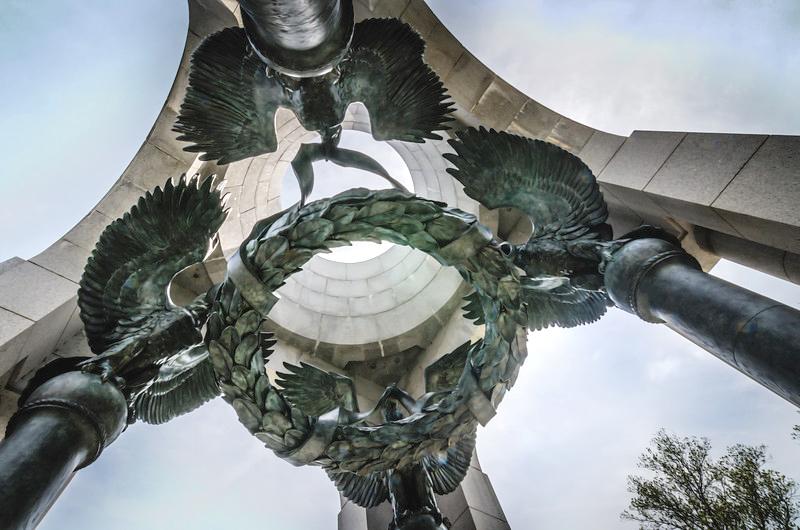 WWII-Memorial----Baldacchino-sculpture-L.jpg