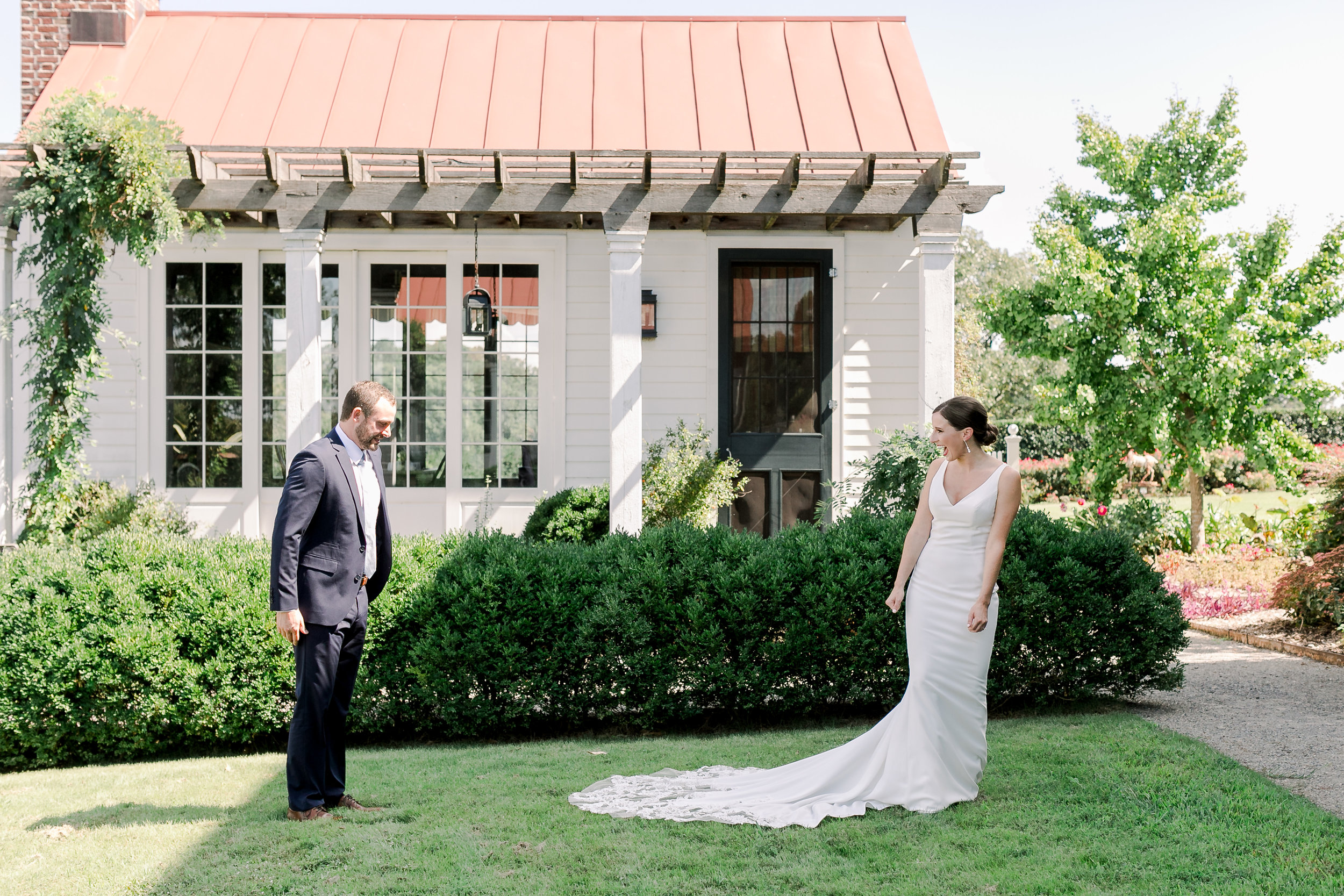 bride-groom-first-look-moss-mountain-littlerock