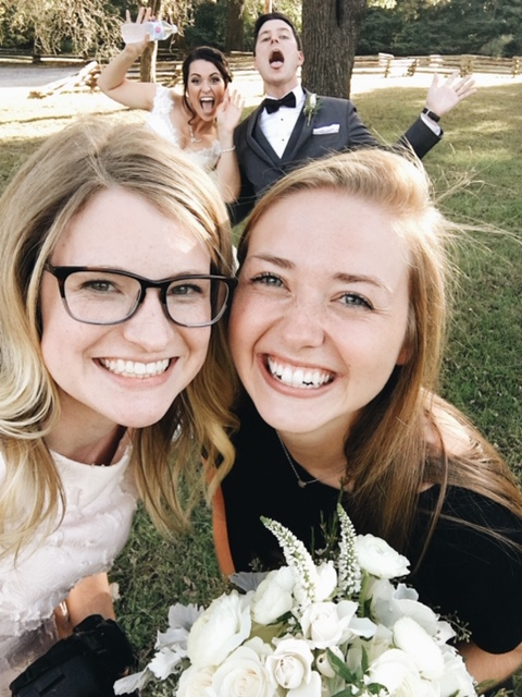 This is Laura, of NLA Weddings, and she's seriously the best. Love teaming up at weddings together. #teamworkmakesthedreamwork