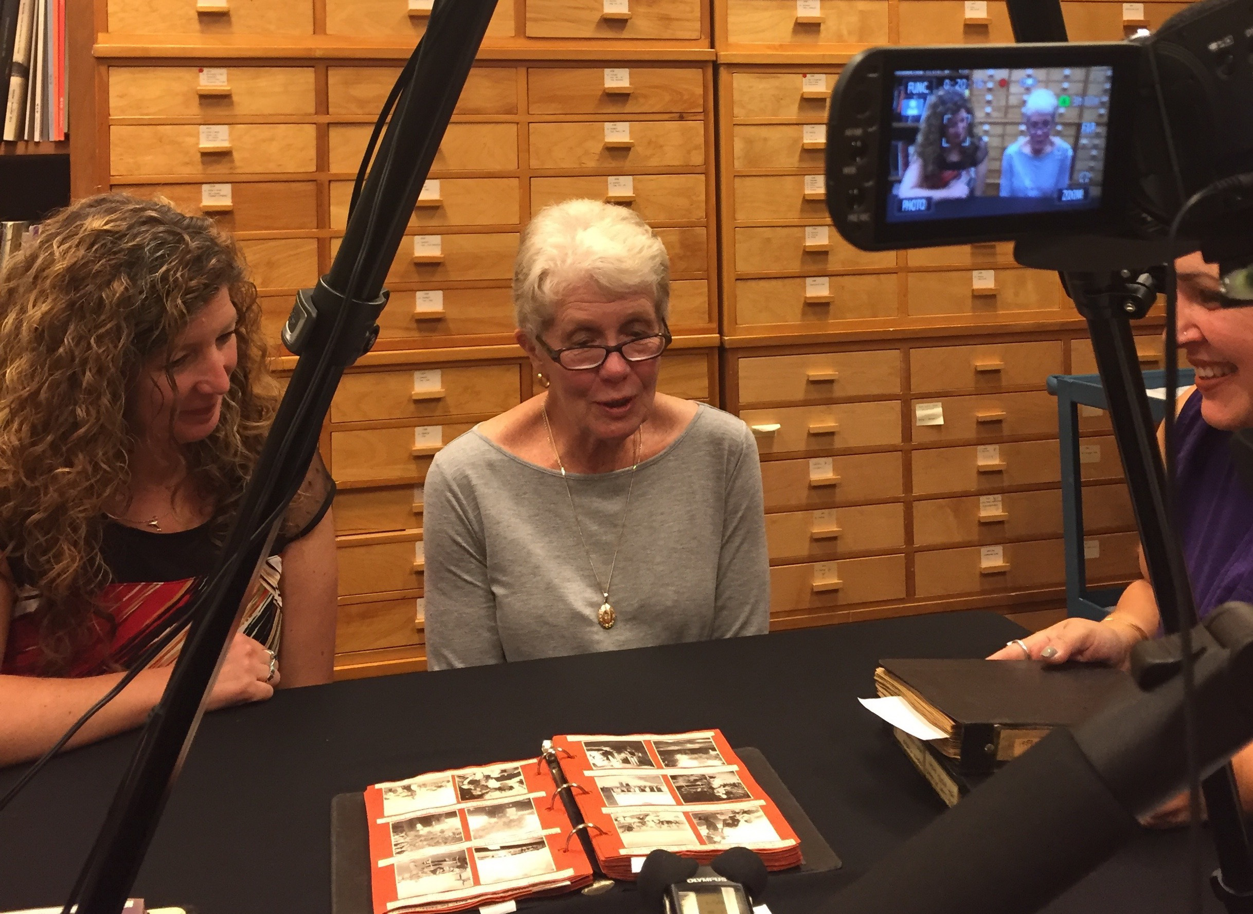 Interview with Margaret's niece, Beverley Martin and her daughter, Tracy Martin, at the Royal Ontario Museum. (Photo: C. Barreto, 2016).