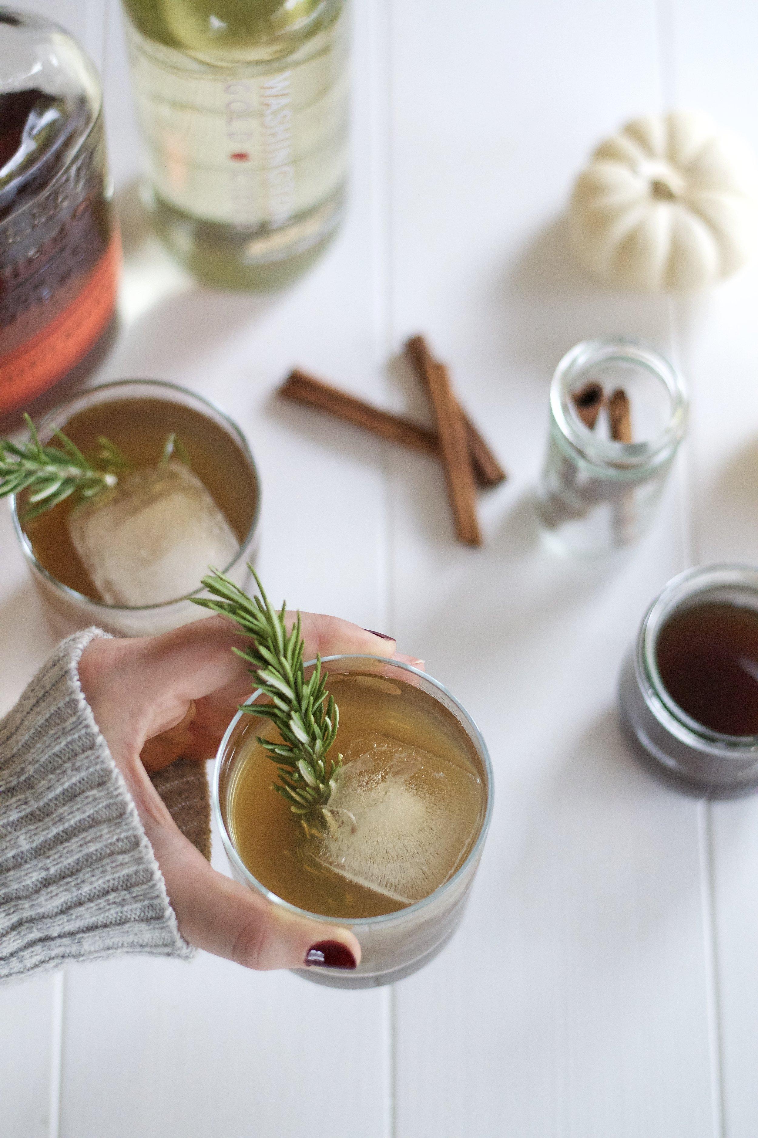 Cinnamon Bourbon Cider Fizz