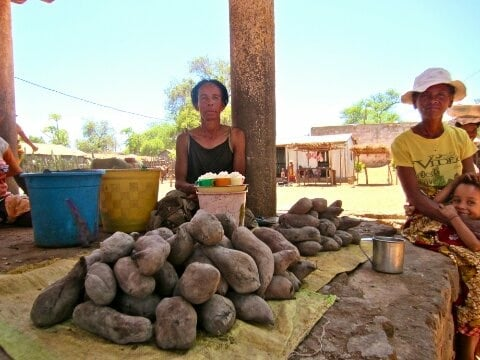 Before I go home, I buy some food from the center of town.  Bageda  (sweet potatoes) are always available.