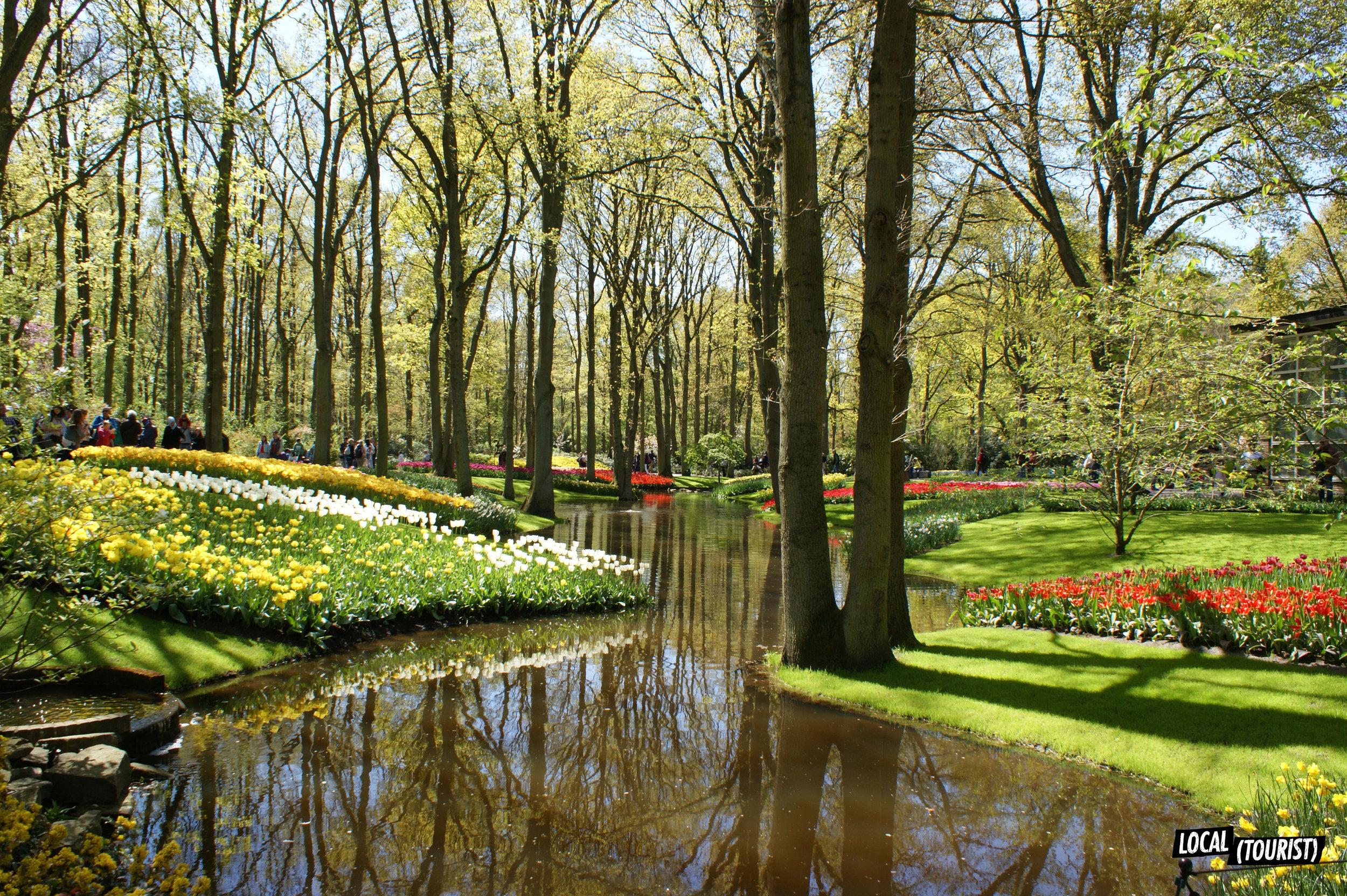 Keukenhof Gardens / Lisse, The Netherlands / img via Local (Tourist)