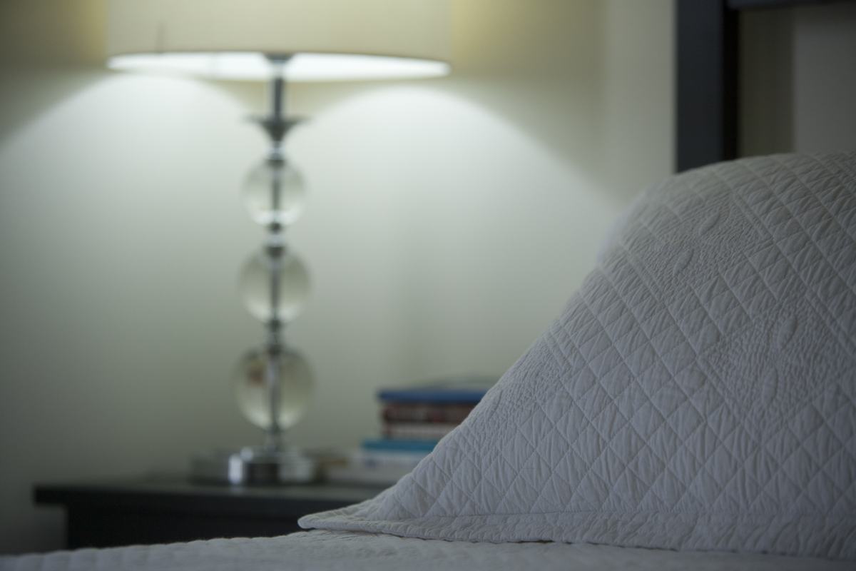 Chi B&B - Guest Room 2 - Queen Bed w Fine Linen