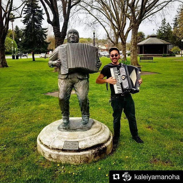👋 Played @krcbfmradio91 w/ @kaleiyamanoha & spent some time in his hometown of Cotati. Snagged a shot of him w/ statue of Jim Boggio. 2 North Bay accordion heroes. ⚡️Catch Kalei and me w/ @thecruxmusic at @mysticpetaluma TONIGHT! Doors at 7pm. ⚡️ Jim would come, but he has a modeling gig.