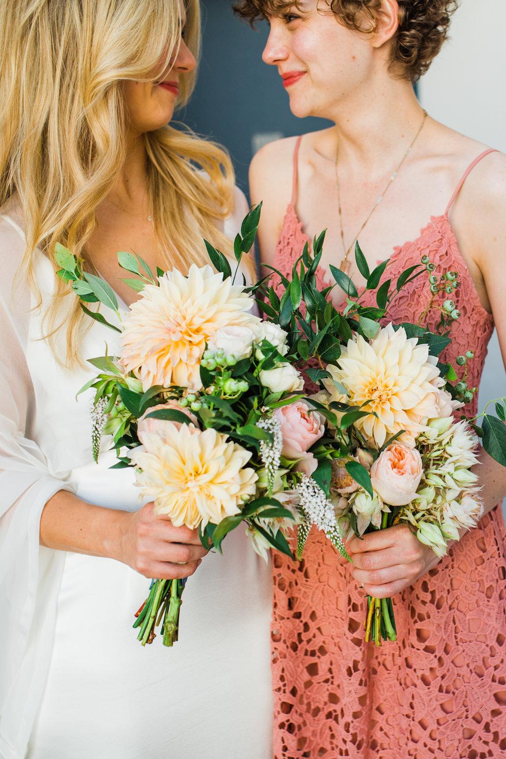 Garden_Dahilas_Bouquets_Sibyl_Sophia_Des_Moines_Iowa.jpg