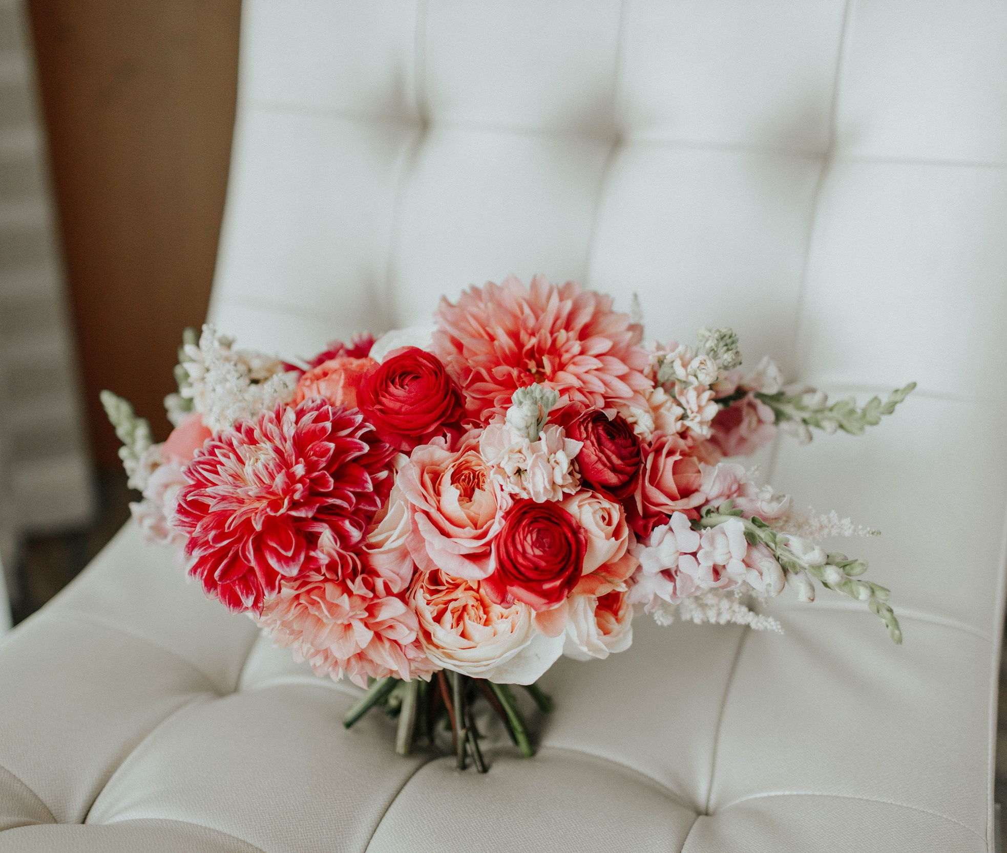 Living_Coral_Bouquet_Sibyl_Sophia_Des_Moines_Iowa.jpg