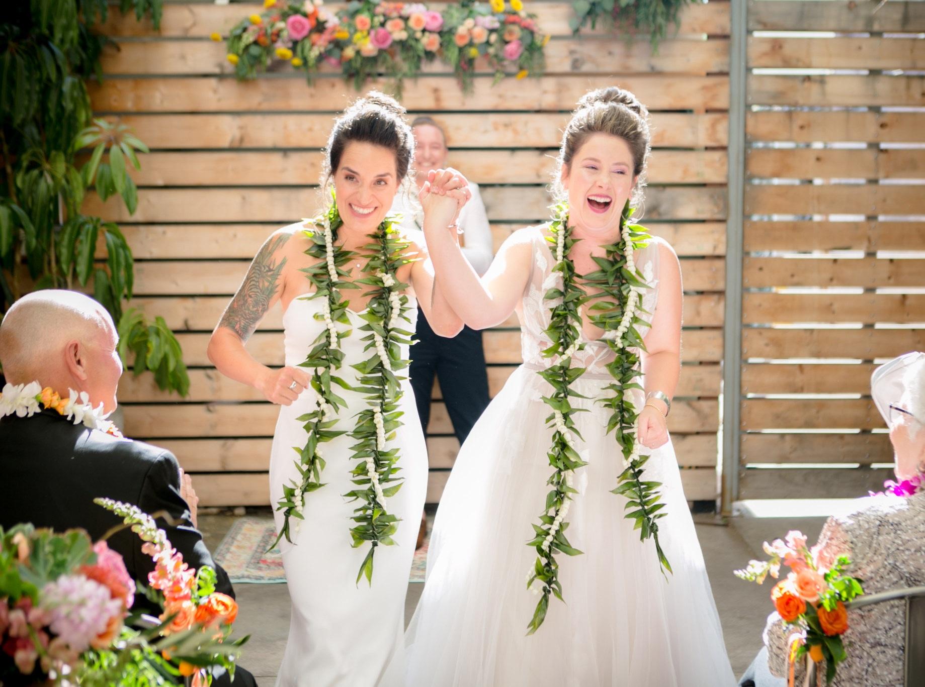 Bright_Florals_Two_Bouquets_Ceremony_Sibyl_Sophia_Des_Moines_Iowa.jpg