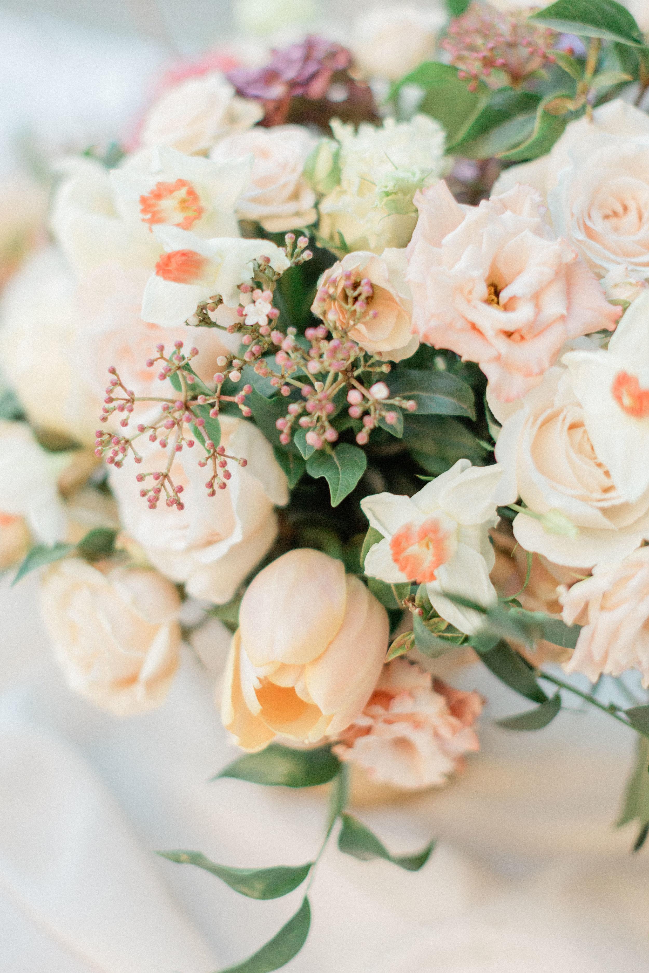Garden_Style_Lush_Florals_Closeup_Sibyl_Sophia_Des_Moines_Iowa.jpg