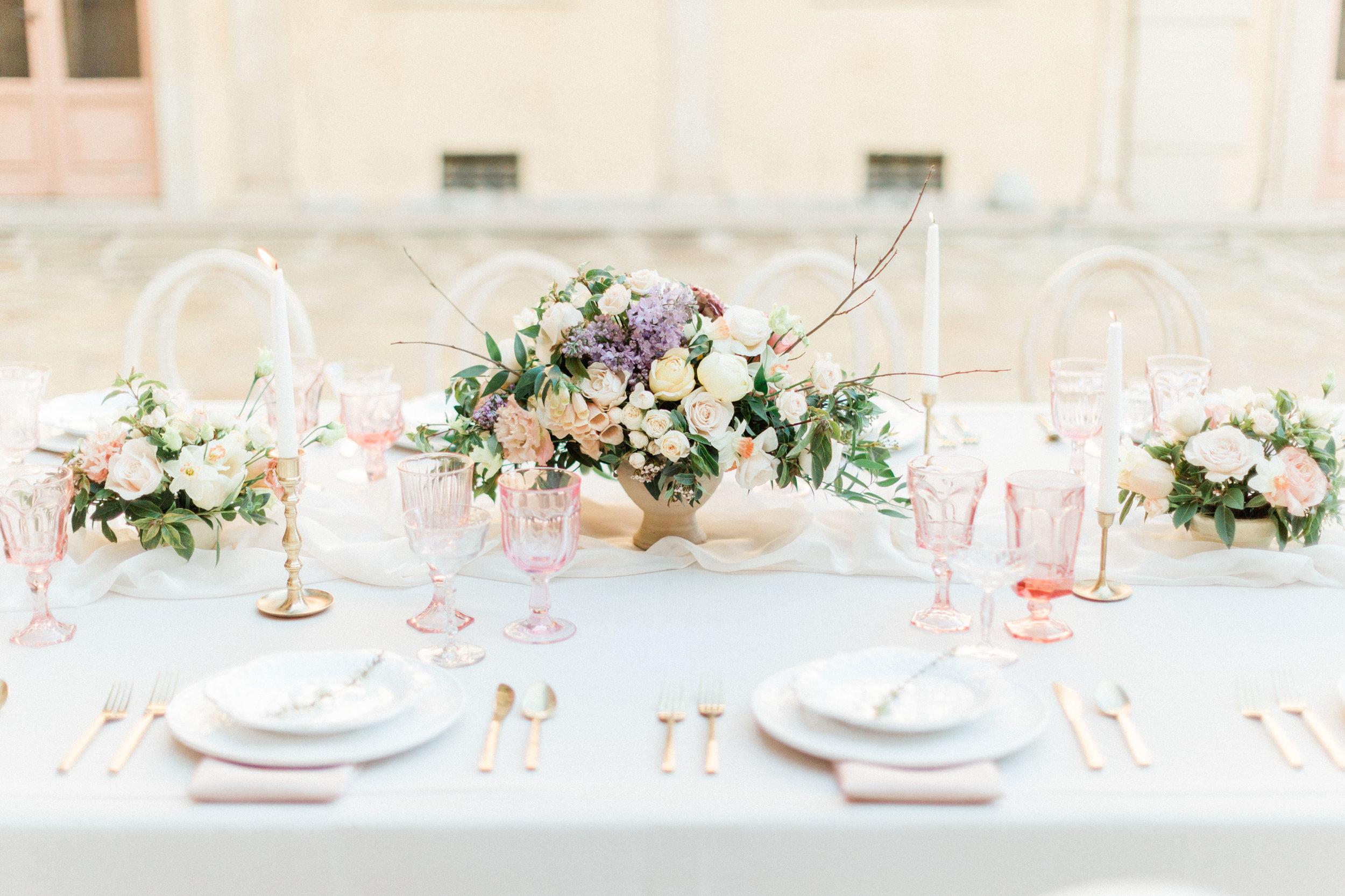 Garden_Style_Lush_Florals_Tablescape_Sibyl_Sophia_Des_Moines_Iowa.jpg