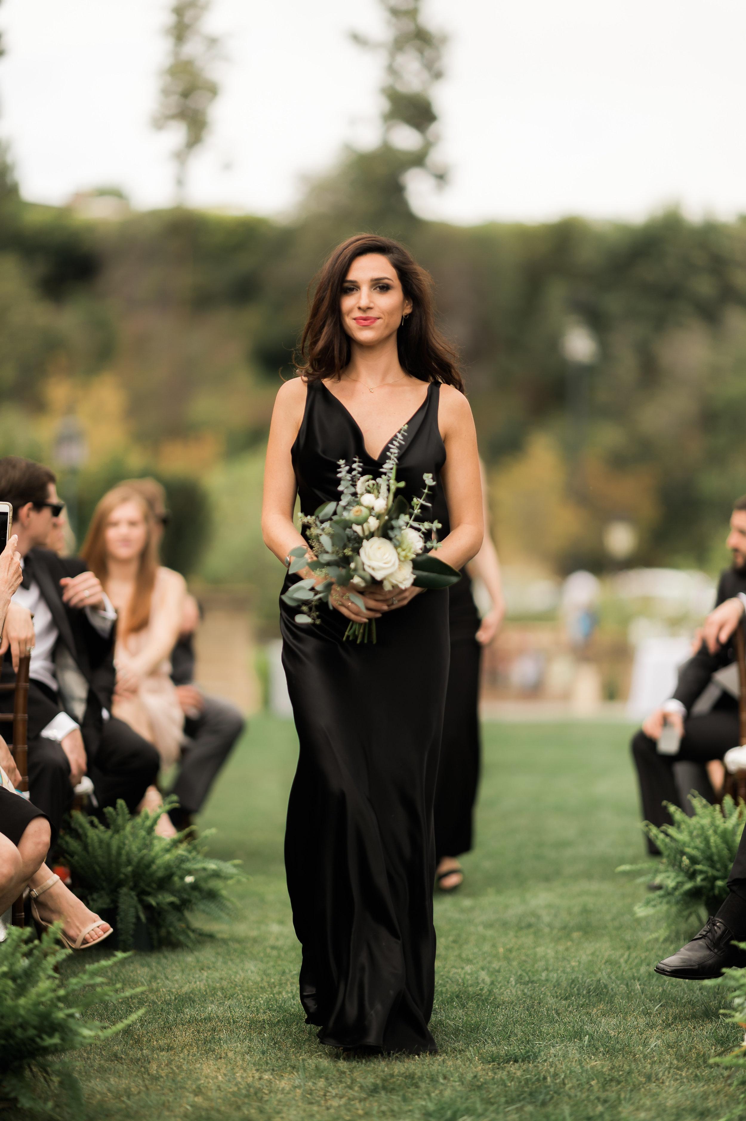 Clean_Modern_Wedding_Florals_Sibyl_Sophia_Bridesmaid.JPG