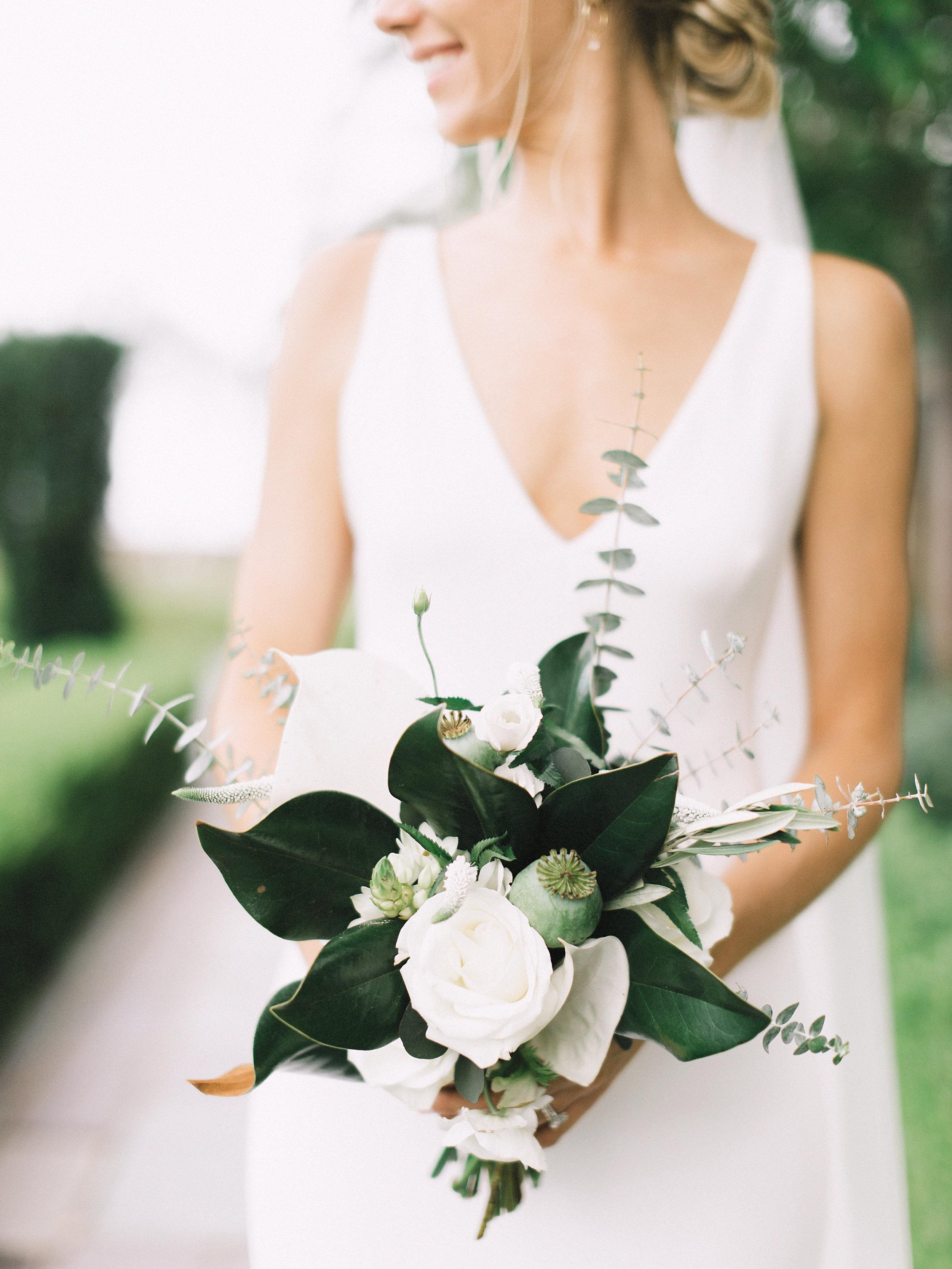Clean_Modern_Wedding_Florals_Sibyl_Sophia_Bouquet.JPG