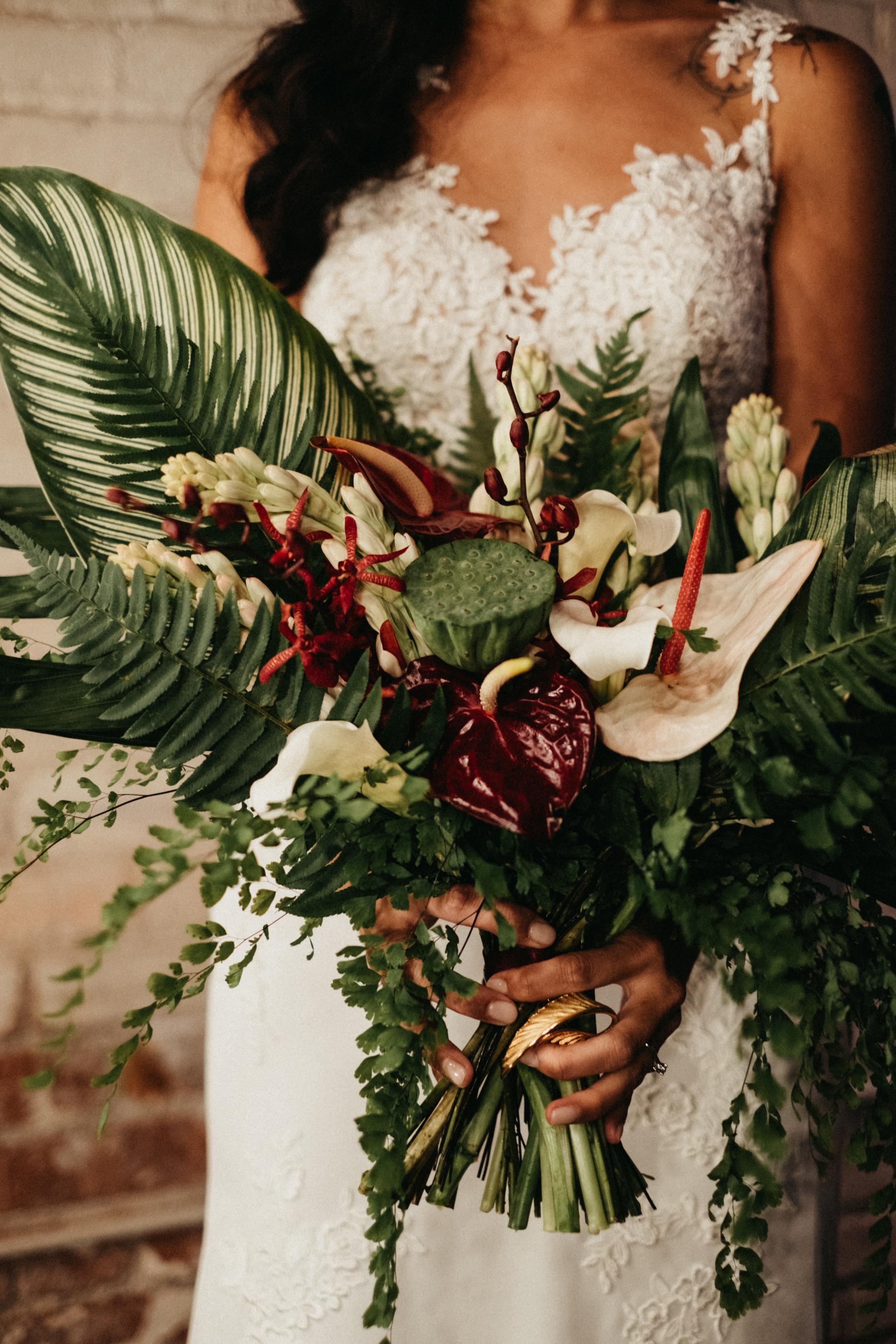 Dark_Tropical_Florals_Sibyl_Sophia_Bouquet.jpg