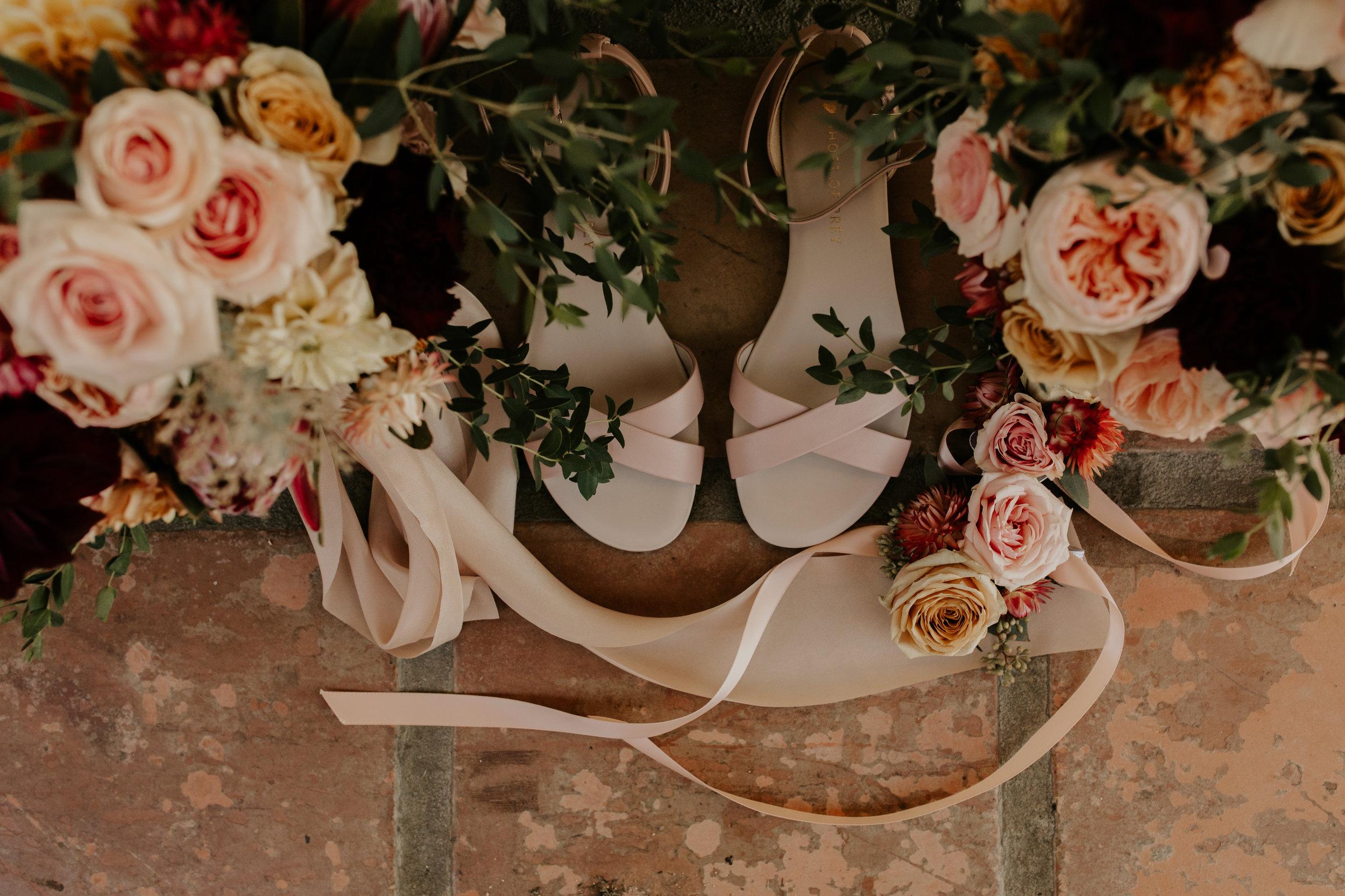 Dusty_Pink_Wedding_Florals_Sibyl_Sophia.jpg