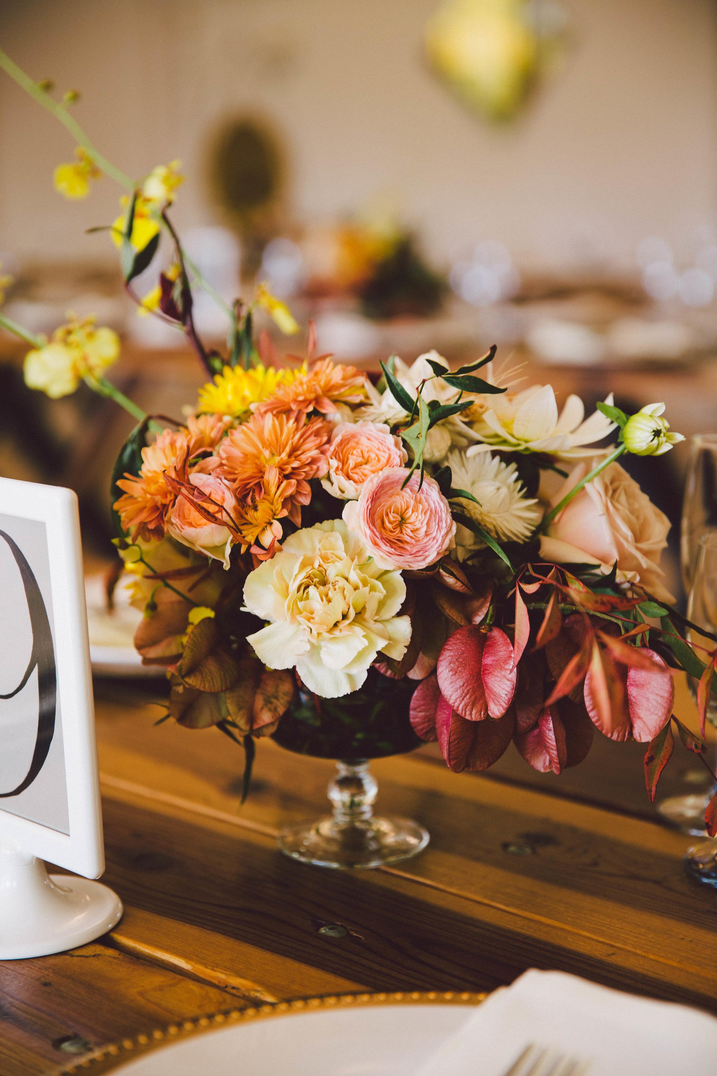 Bold_Florals_Iowa_Centerpiece.jpg
