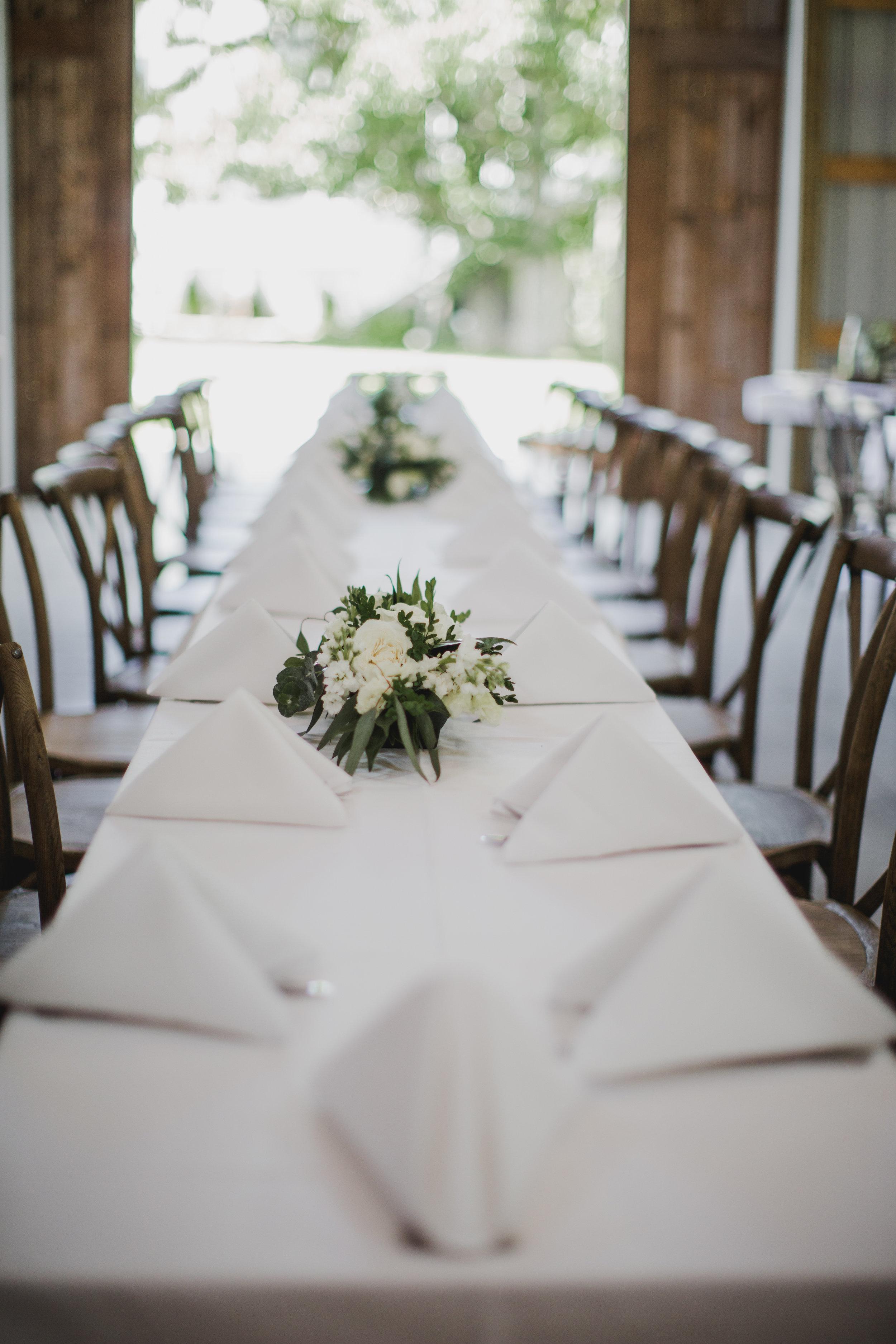 Sibyl_Sophia_Wedding_Florist_Mason_City_Diamond_Oaks_Tables.jpg.jpg