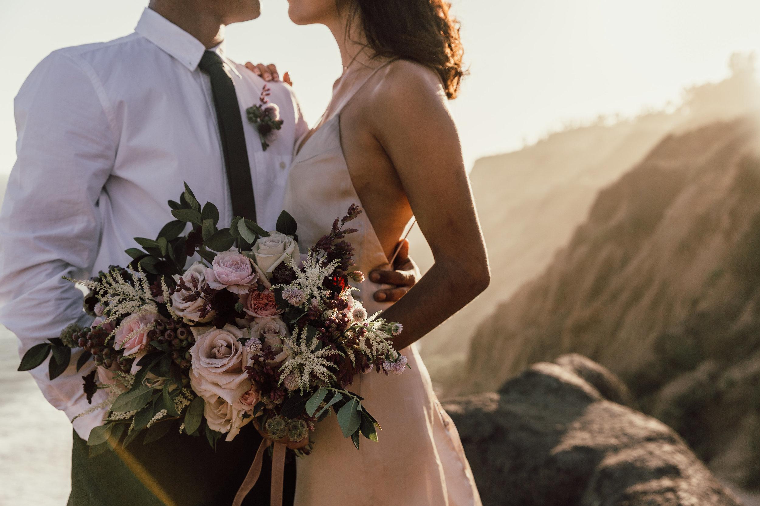 Textured_Garden_Style_Florals_Sibyl_Sophia_Bouquet_Wedding.jpg