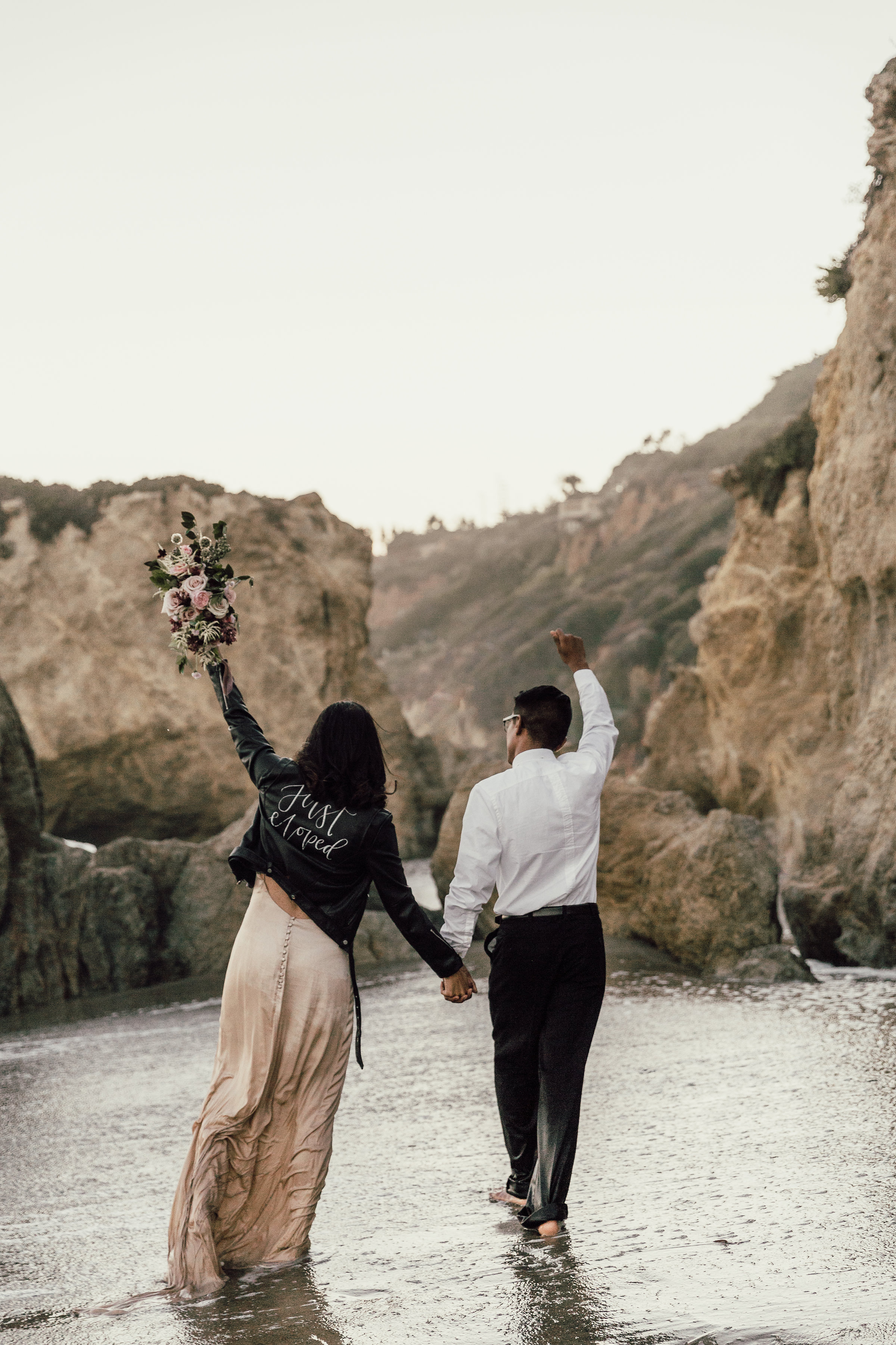 Textured_Garden_Style_Florals_Sibyl_Sophia_Just_Married.jpg
