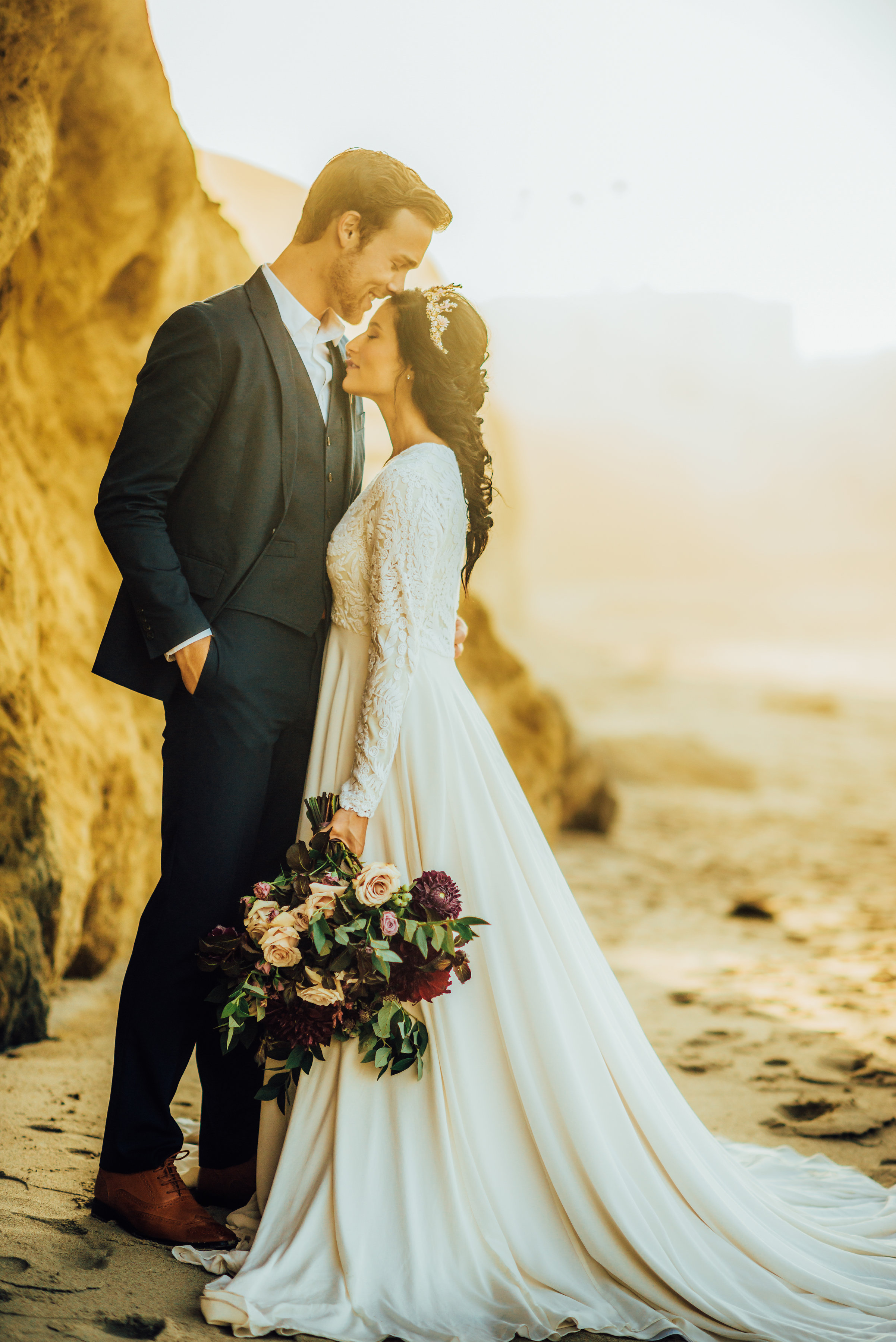 Elopement_Flowers_Sibyl_Sophia_Moody_Garden-Florals_Married.jpg